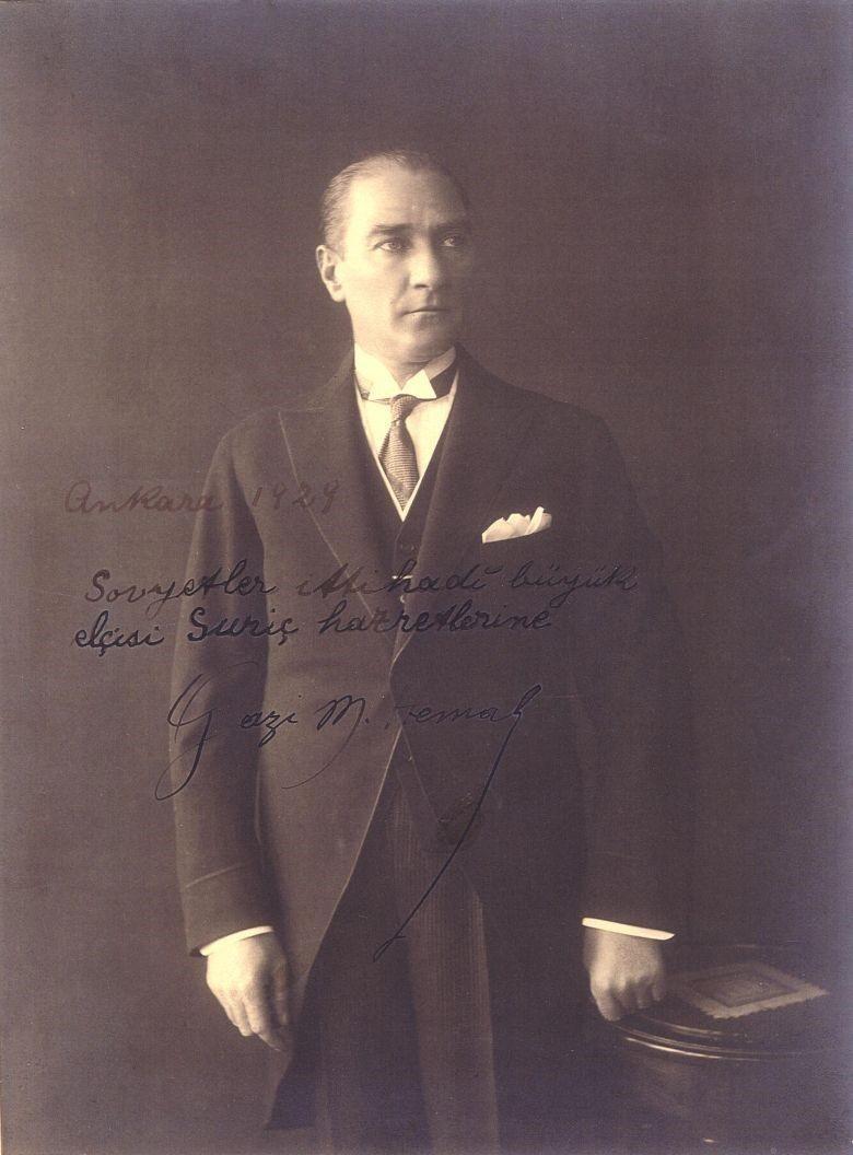 Kemal Ataturk soviet embassy.jpg