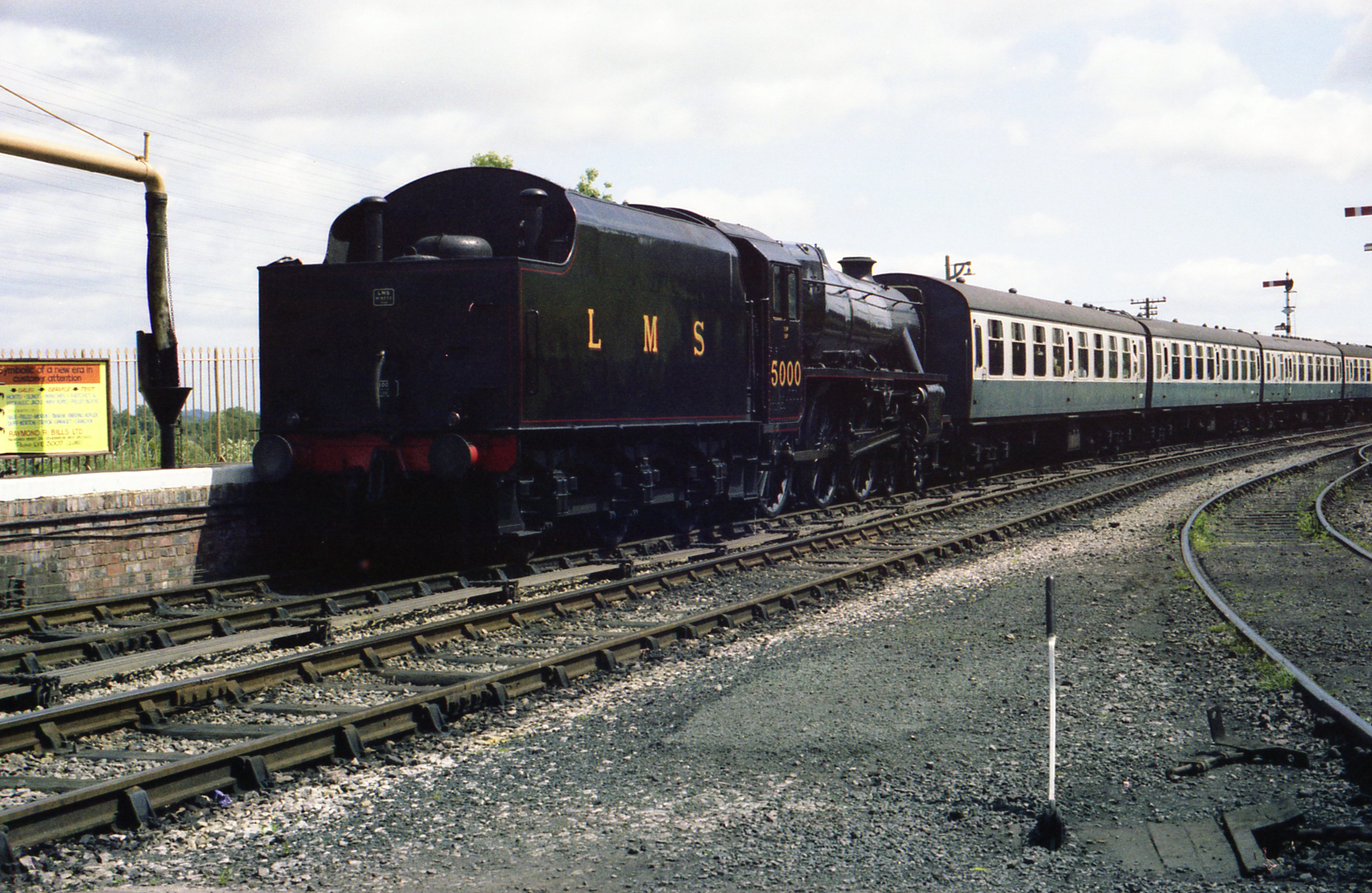 File:LMS Black 5 No 5000 at Bridgenorth station jpg
