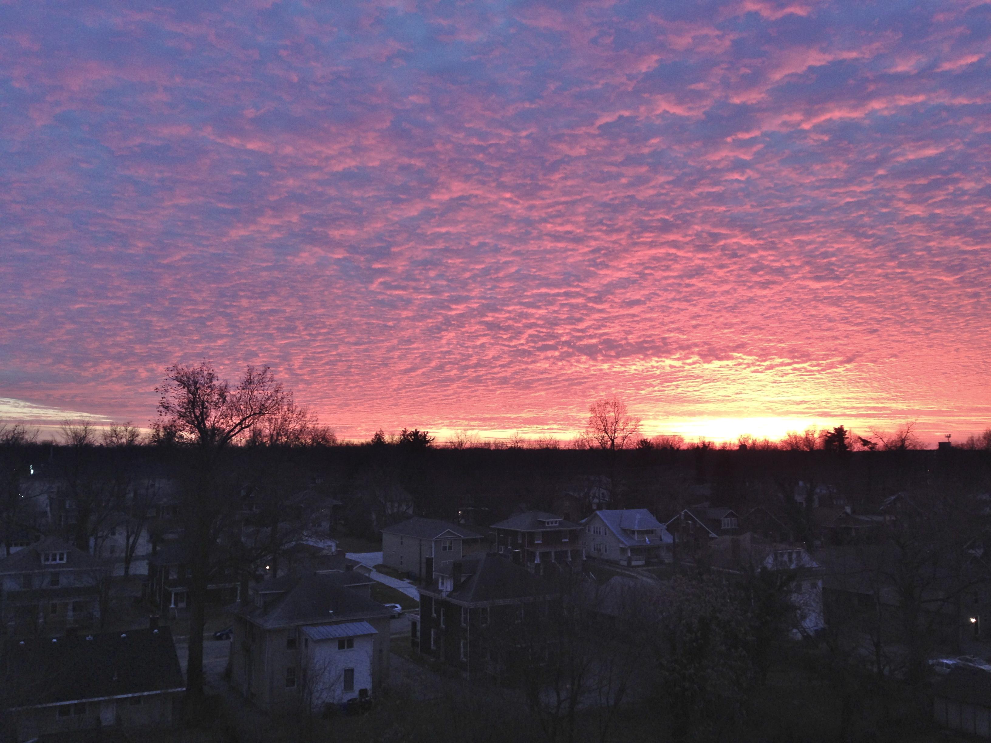 FileLexington Kentucky sunset 2014 01 01 173944 by Navin75