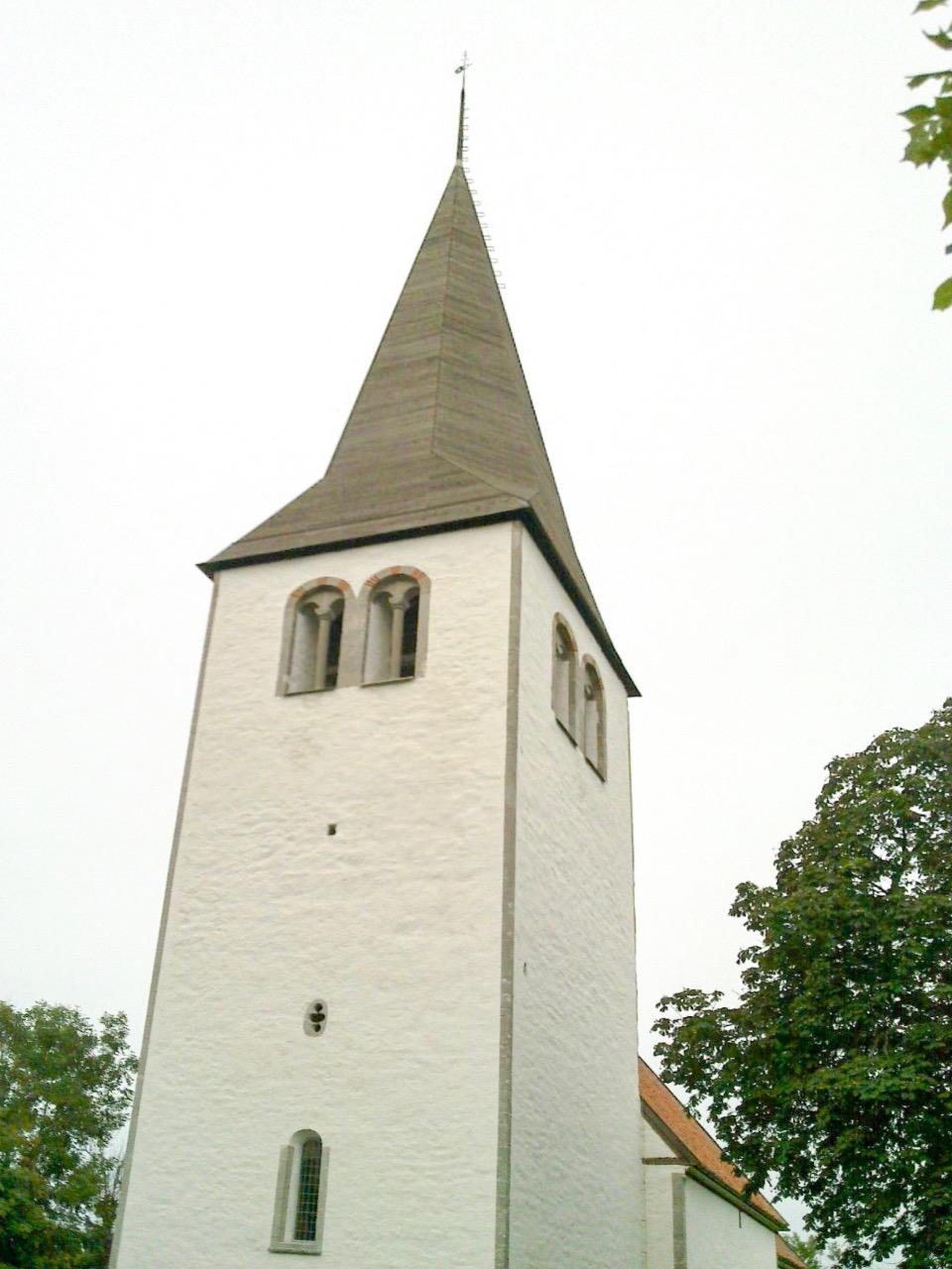 Bild av Linde kyrka