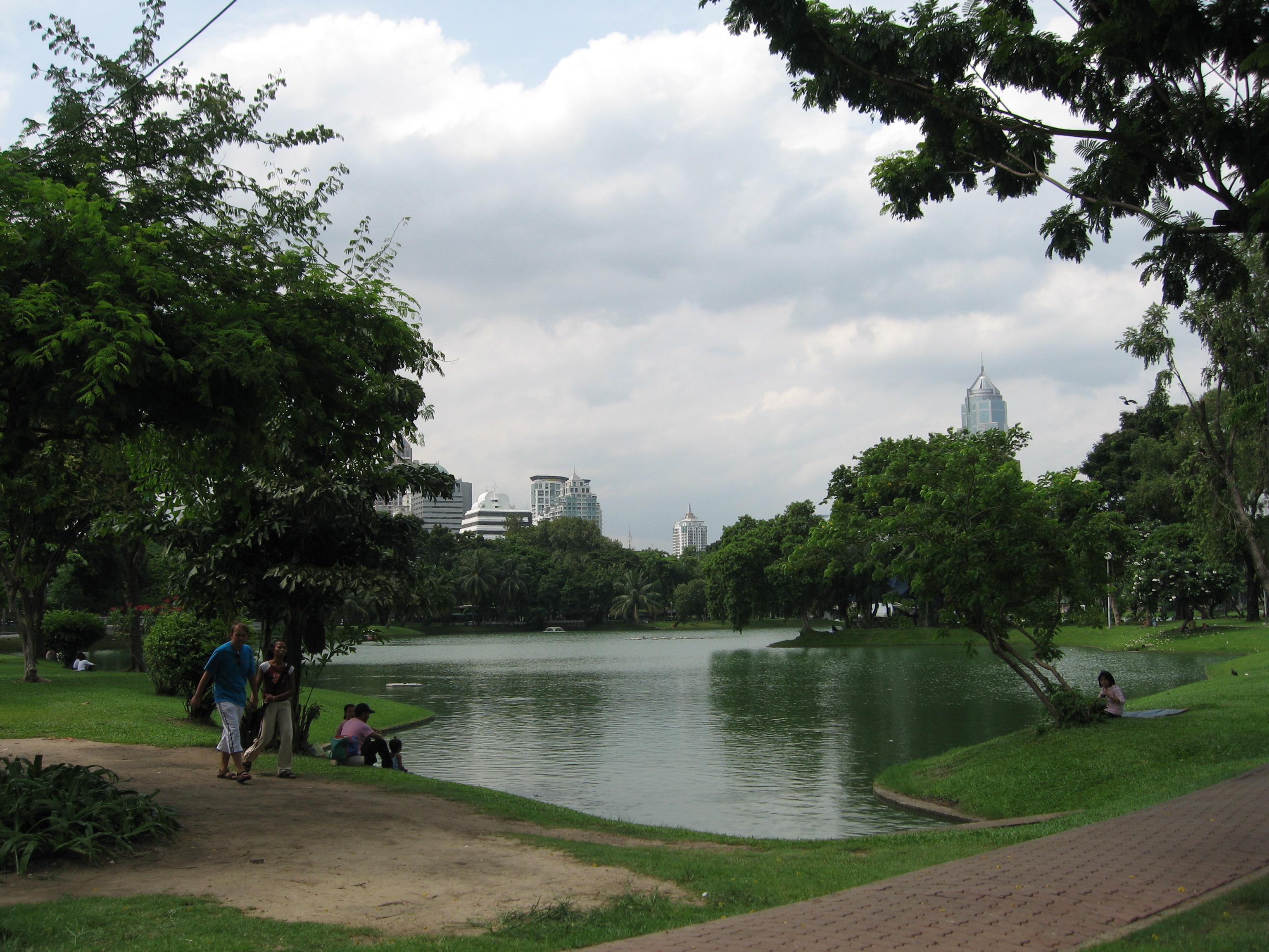 File:Lumphini Park.jpg - Wikimedia Commons