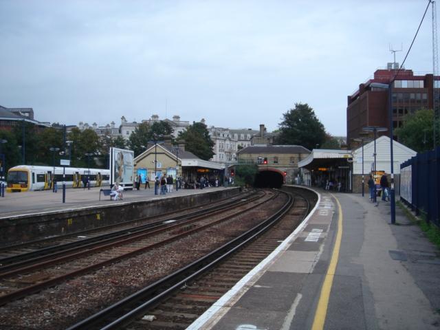 Southeast rail platform to London Victoria