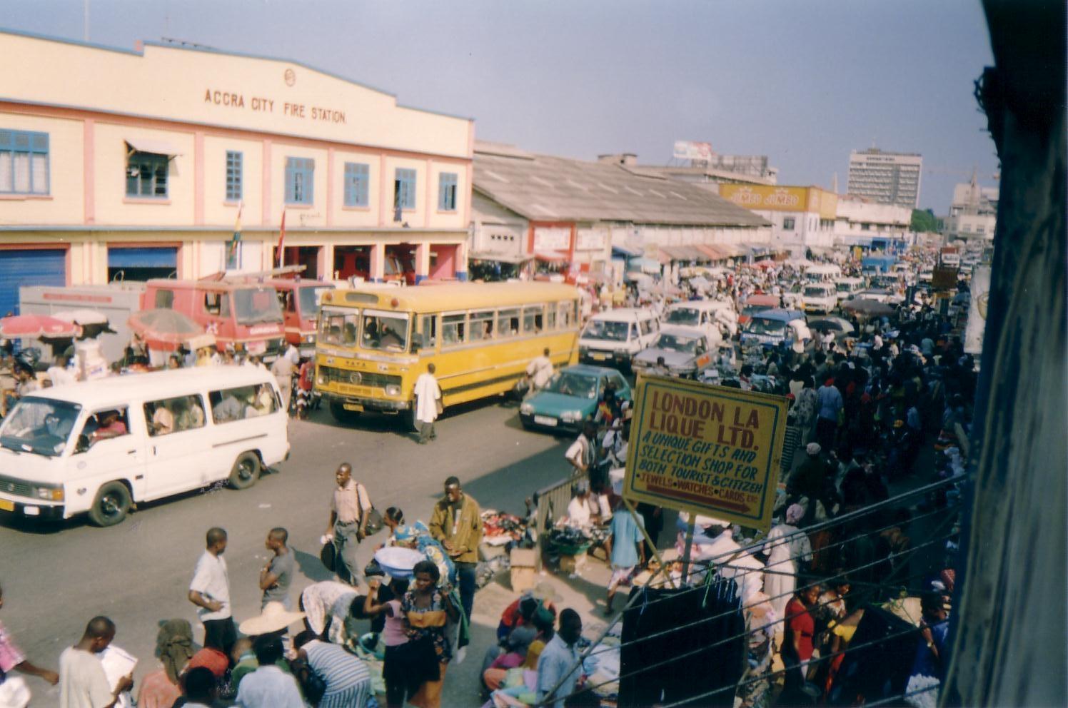 Bestaand:Makola market jpg - Wikipedia
