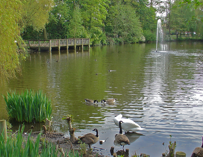 file manor house gardens jpg wikimedia commons manor house gardens london manor house gardens reviews