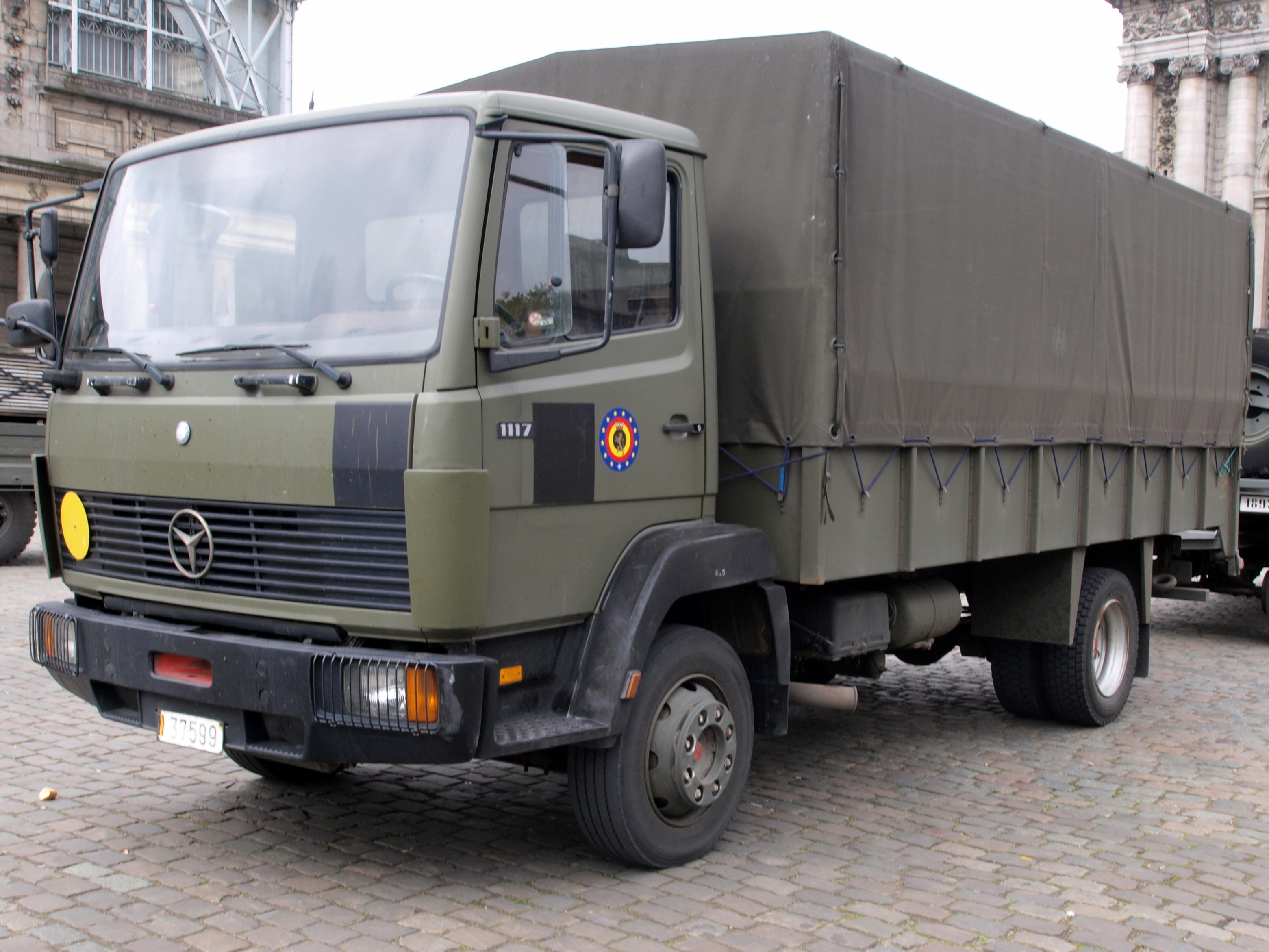 File:Mercedes 1117 of the Belgian Army, licence registration 37599.JPG