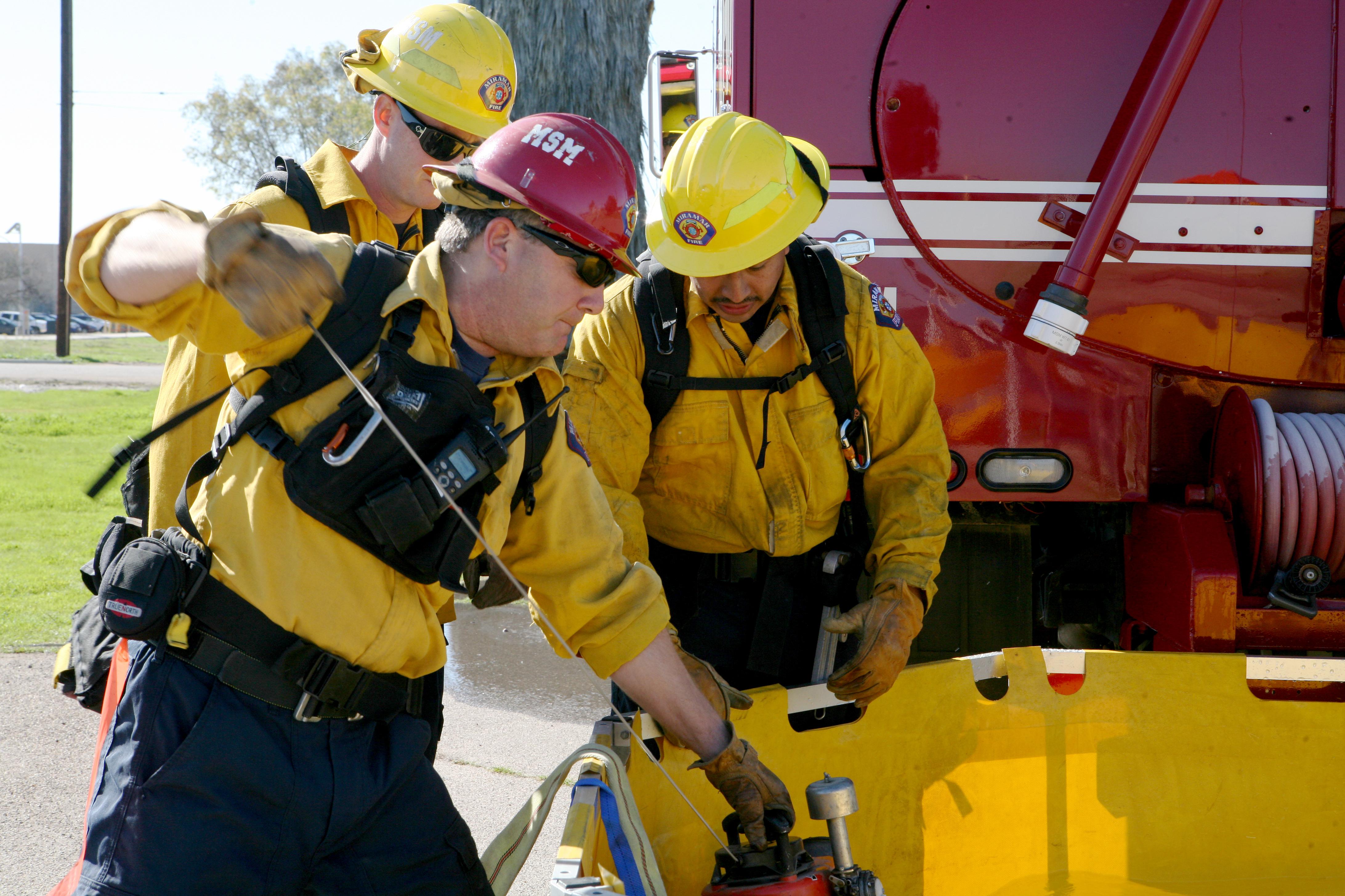 file miramar firefighters train for summer brushfire season 130213 m rh commons wikimedia org