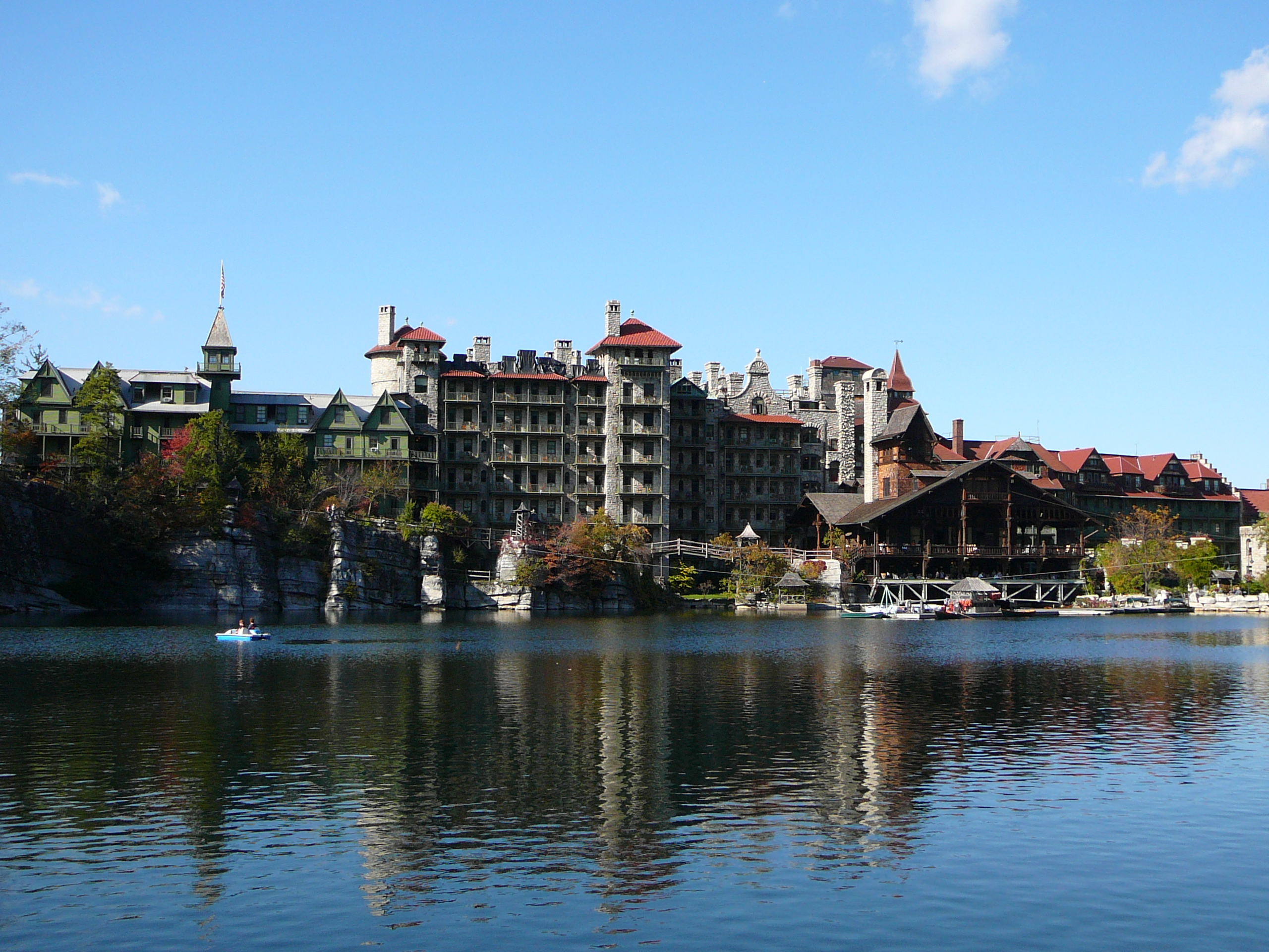 File mohonk mountain wikimedia commons for Mountain house media