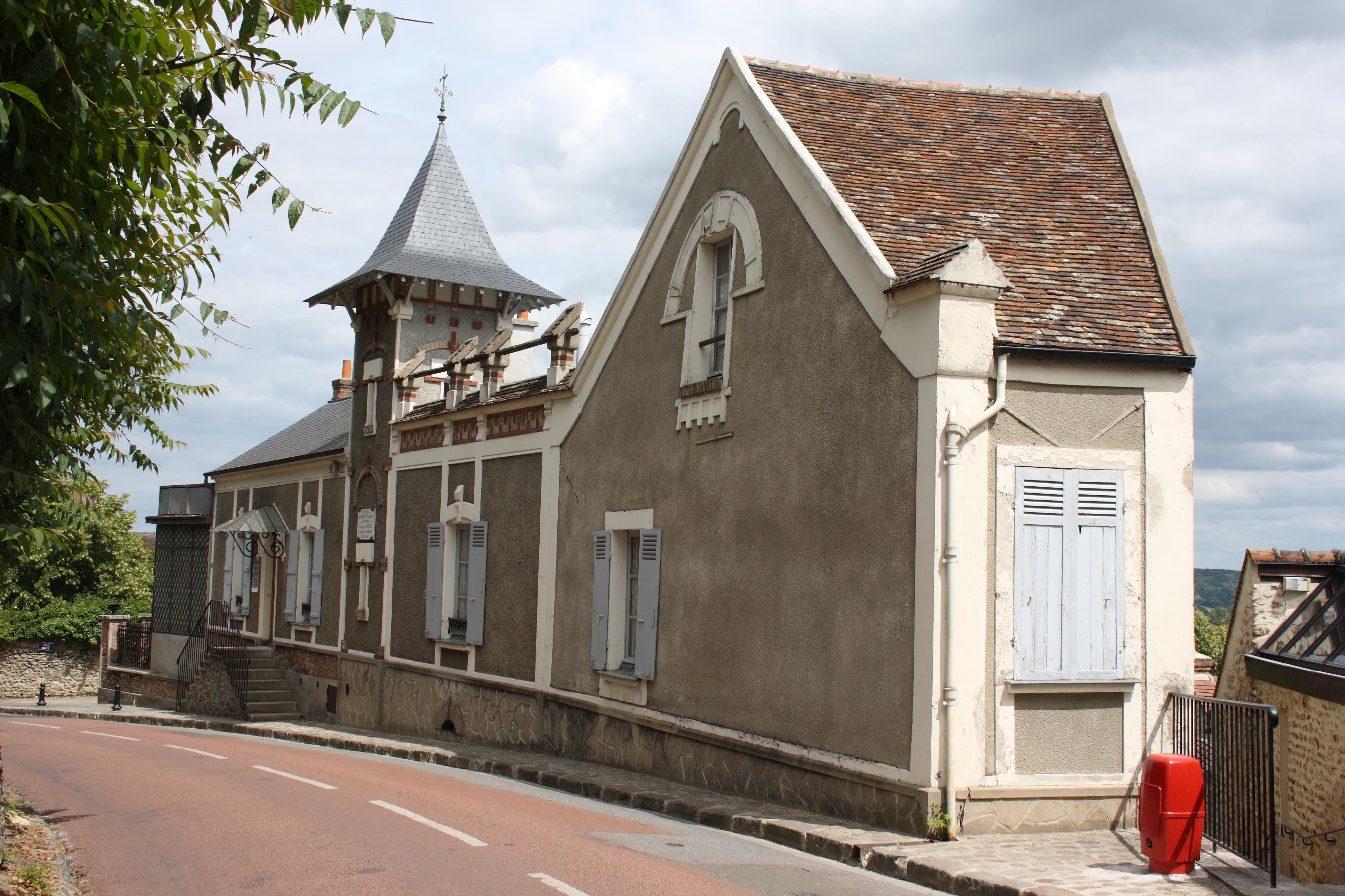 Datei:Montfort-l\'Amaury Maison de Maurice Ravel7396.JPG – Wikipedia