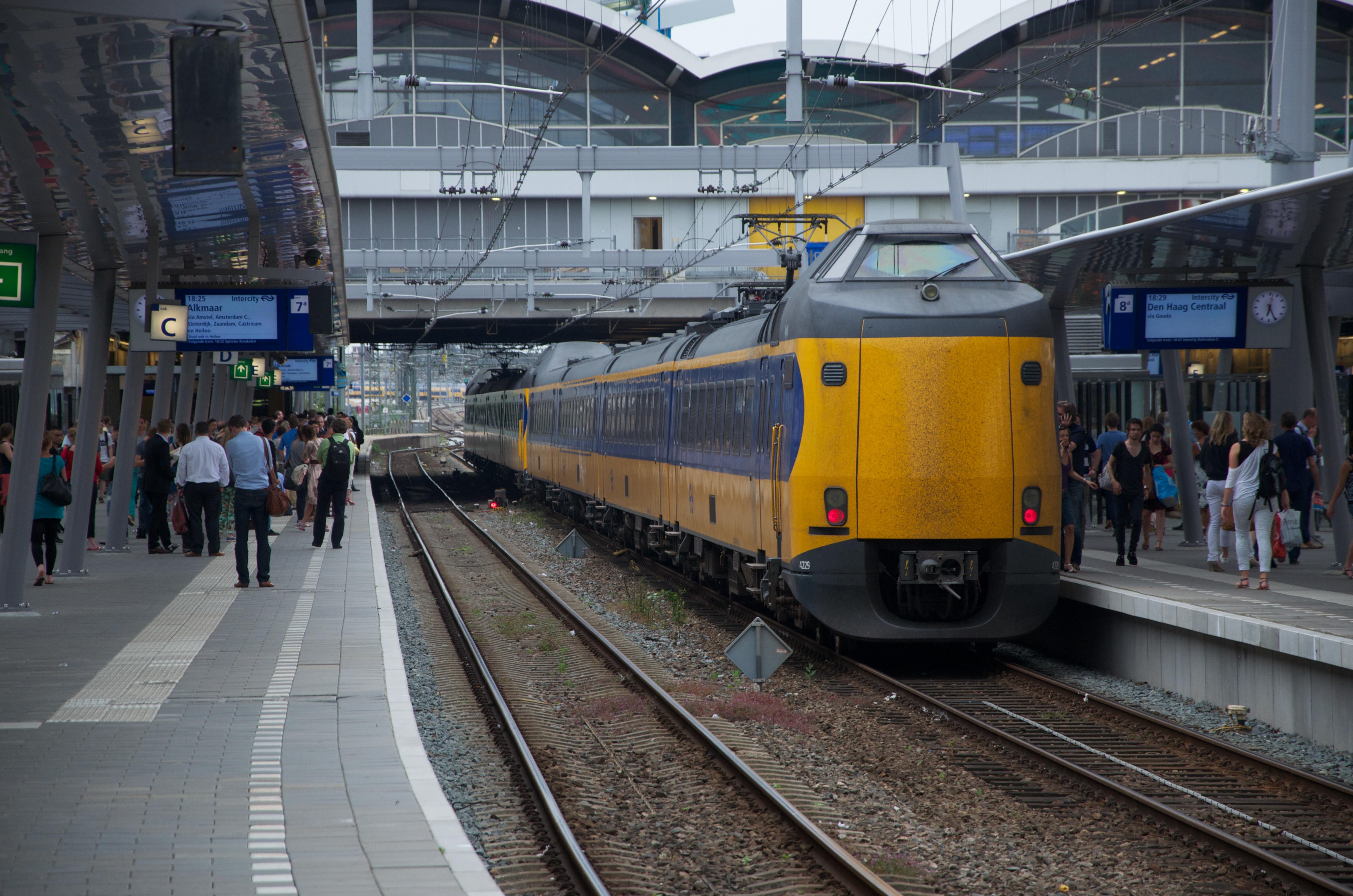 FileNS Koploper ICM 4229 te Utrecht Centraaljpg
