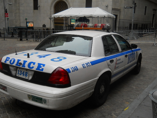 file nypd ford crown vic jpg wikimedia commons rh commons wikimedia org