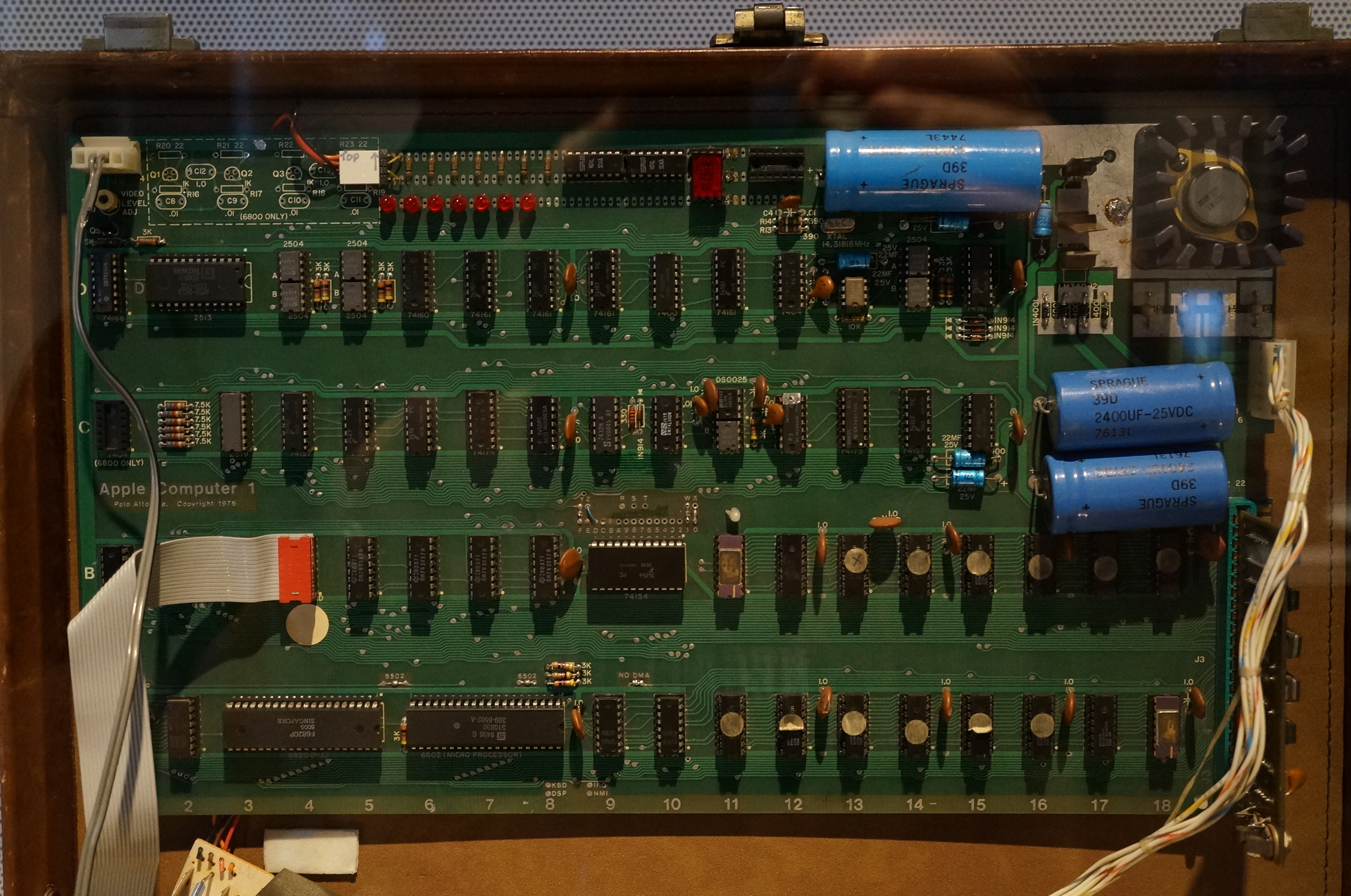 File:Original 1976 Apple 1 Computer PCB.JPG - Wikimedia Commons