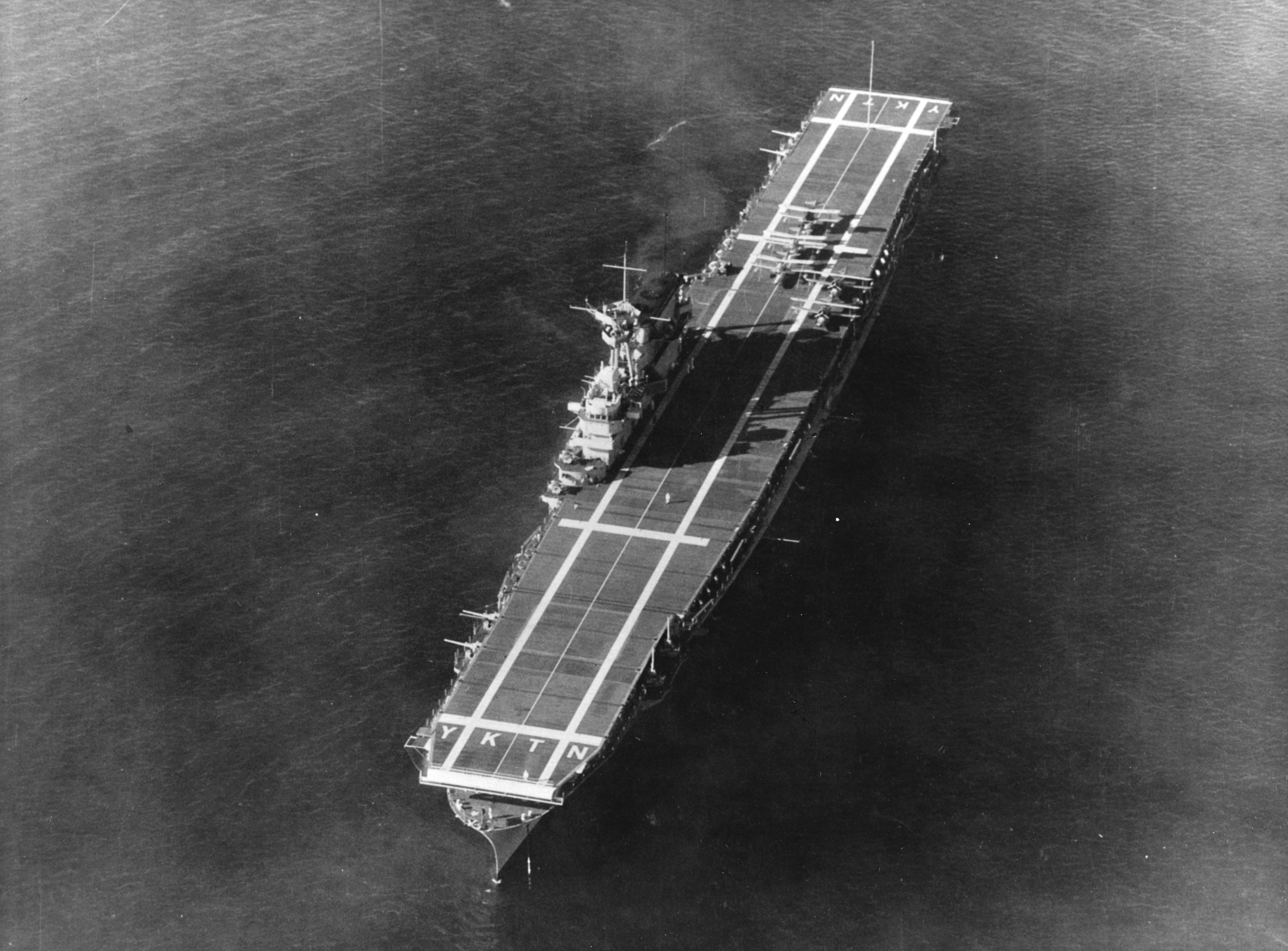 cv bestand Bestand:Overhead view of USS Yorktown (CV 5) in the Caribbean Sea