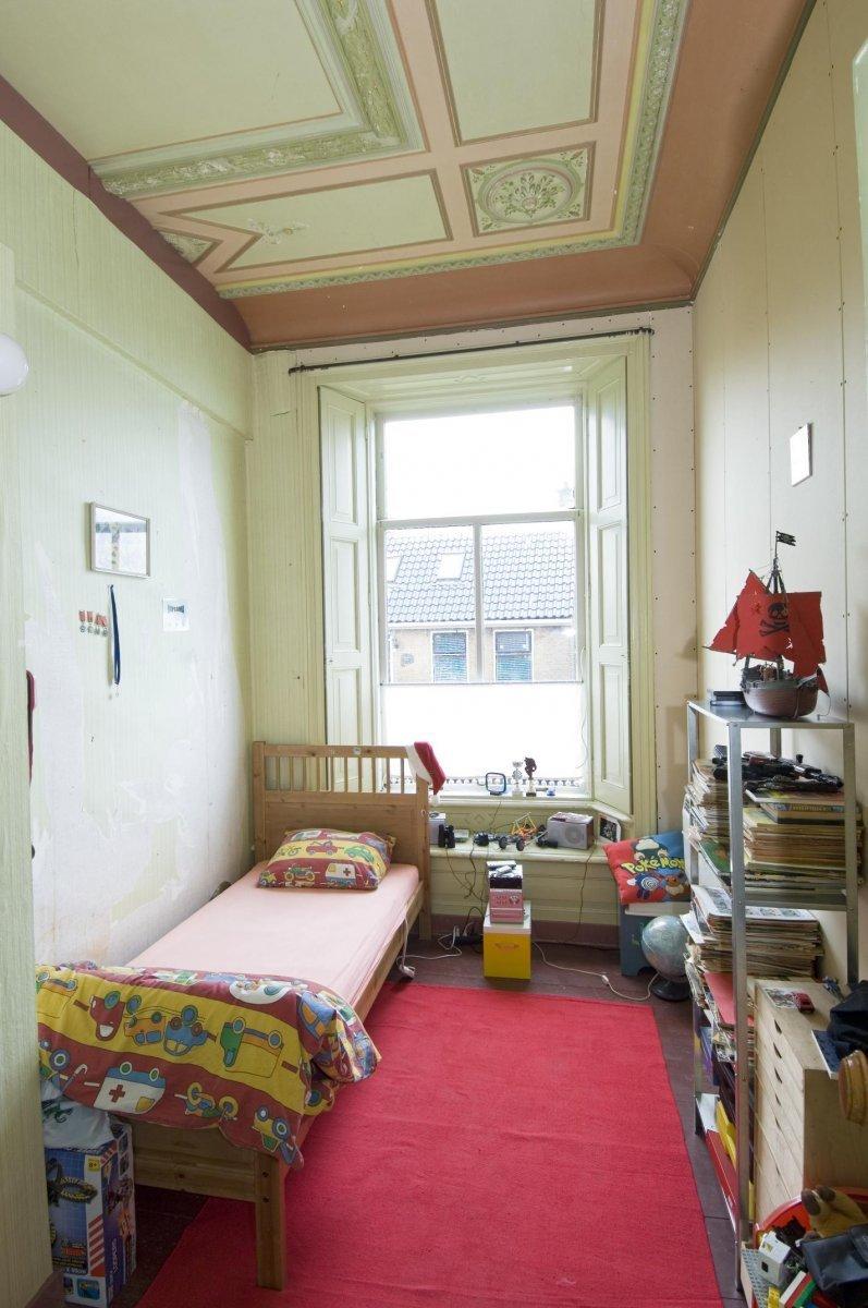 File:overzicht slaapkamer met beschilderd plafond   baard ...
