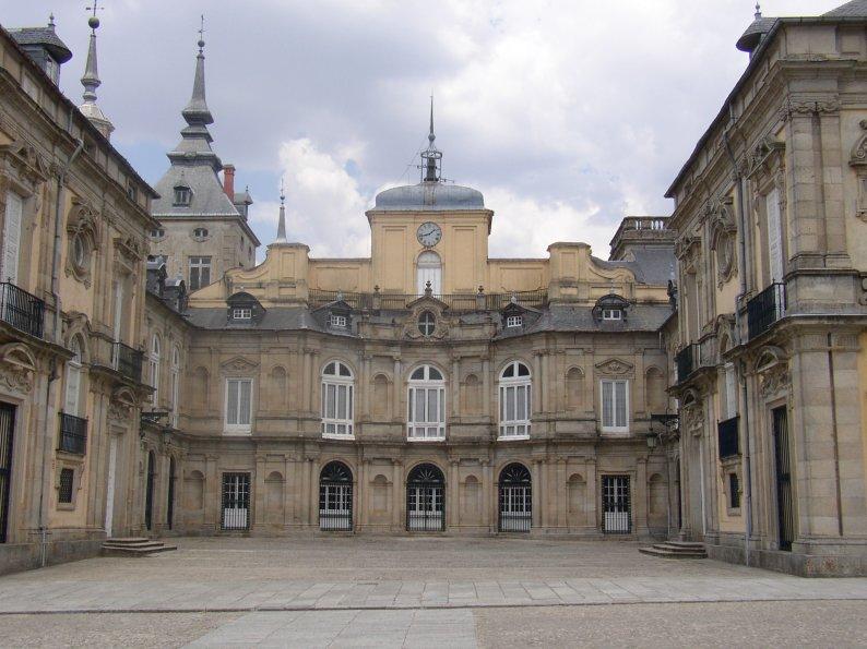 File:Palacio La Granja2 22-7-03.JPG