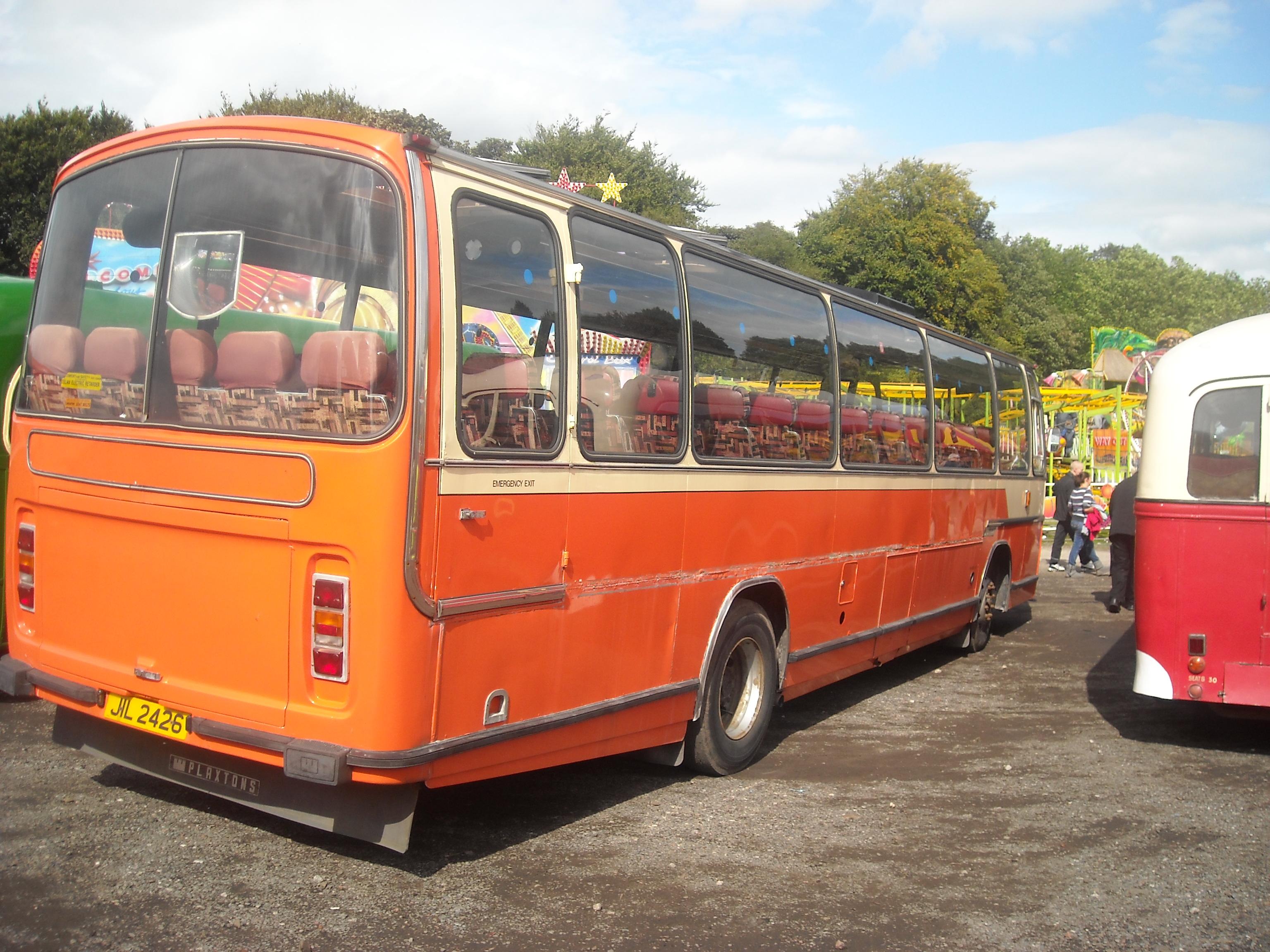 File:Pennine Motors coach (JIL 2426 ex-BTL 485X), 2009 Trans