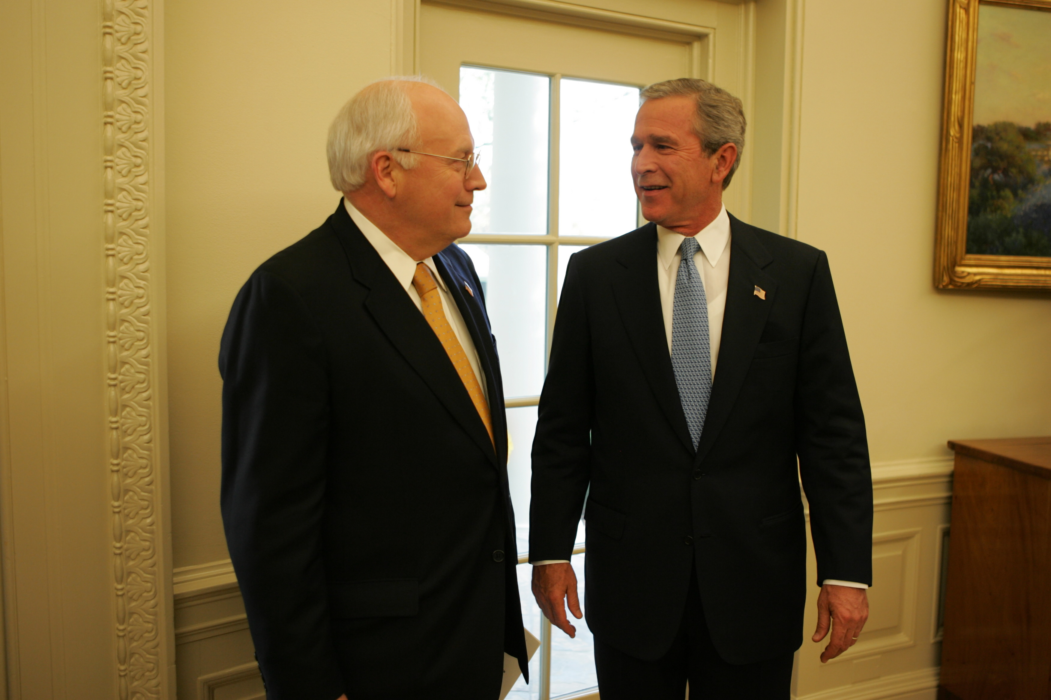 file president bush and vice president cheney talk in the oval rh commons wikimedia org