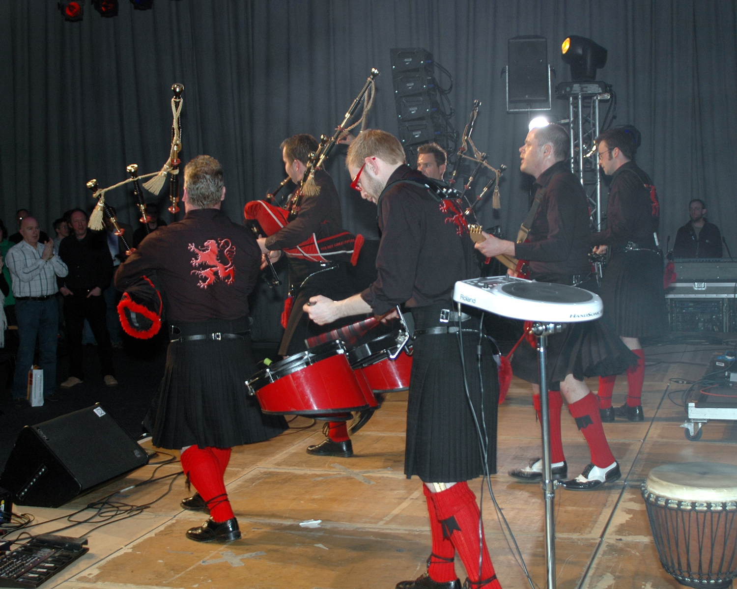 Description red hot chilli pipers 2066 jpg