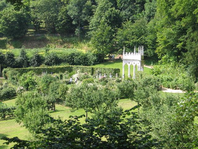 Rococo Gardens - geograph.org.uk - 114559