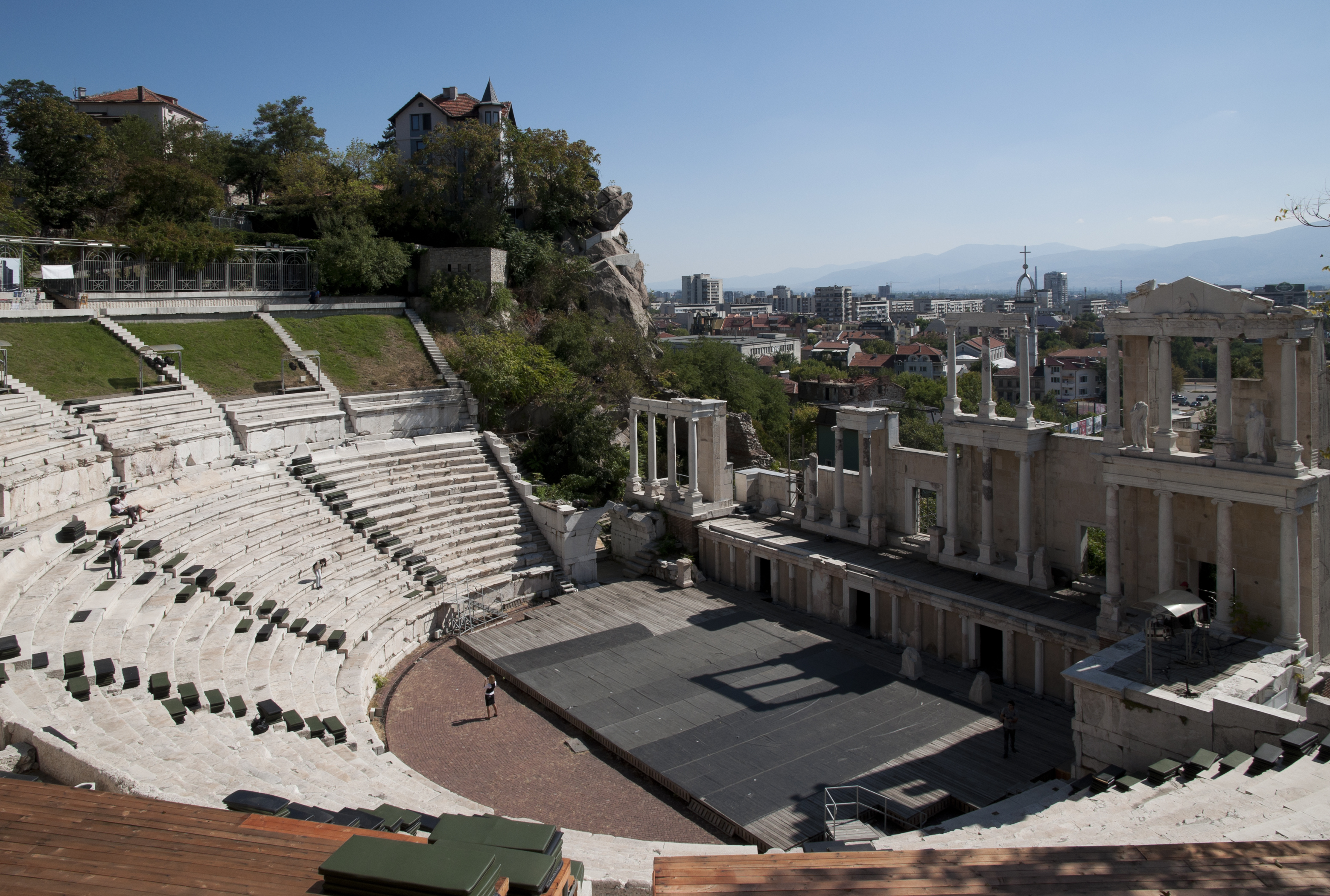 google maps my location with File Roman Theatre Plovdiv 2 on Showthread together with Showthread in addition File Glees Germany Maria Laach Abbey 01 in addition File Pet C5 99 C3 ADn  R C5 AF C5 BEov C3 BD sad  r C5 AF C5 BEe in addition Showthread.