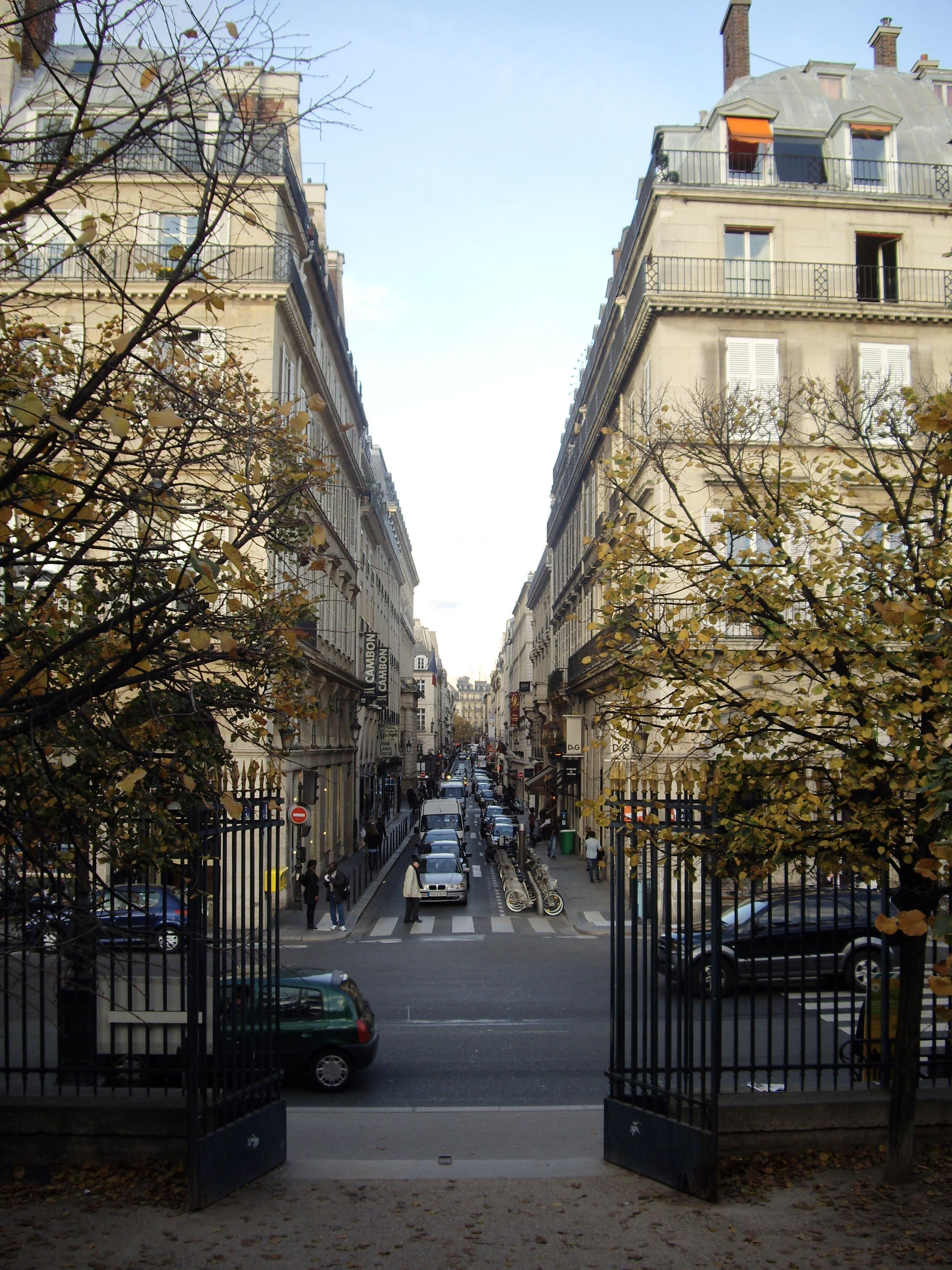 file rue cambon rue de rivoli paris wikimedia commons. Black Bedroom Furniture Sets. Home Design Ideas
