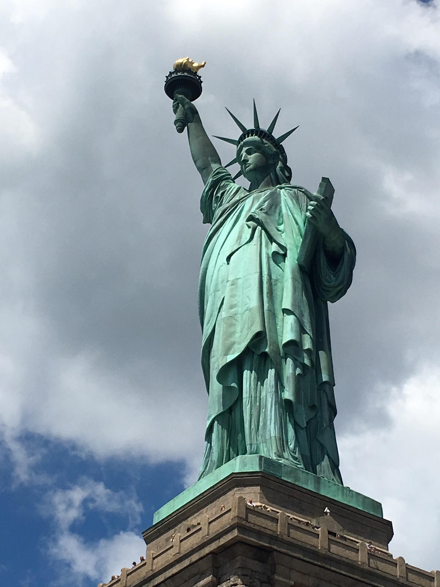 file statue of liberty by corey hines jpg wikimedia commons rh commons wikimedia org
