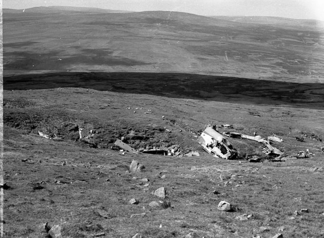 Stirling LK488 final resting place on Mickle Fell - geograph.org.uk - 1138188