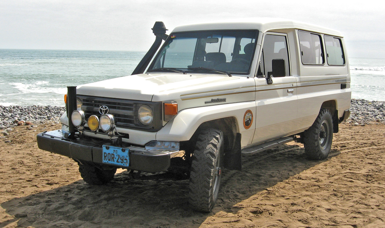 File toyota land cruiser hzj75 01 jpg