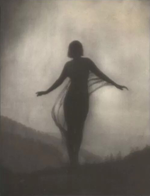 Les grands photographes - Page 3 The_Breeze_by_Anne_Brigman