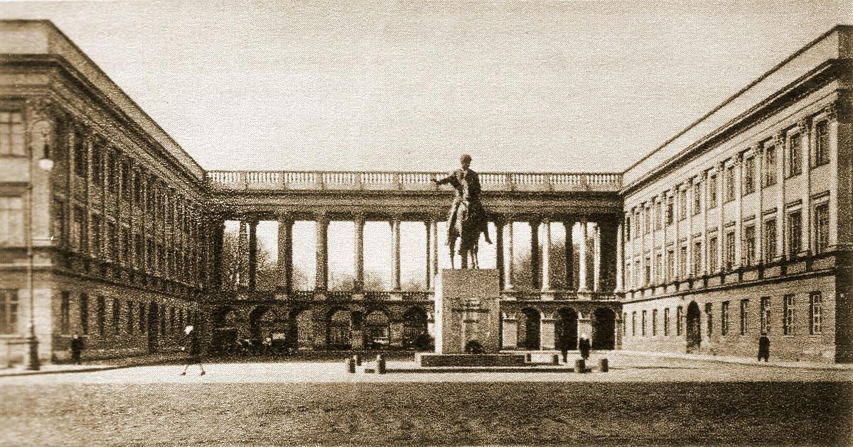 Pałac Saski – historia, przed wojną, odbudowa