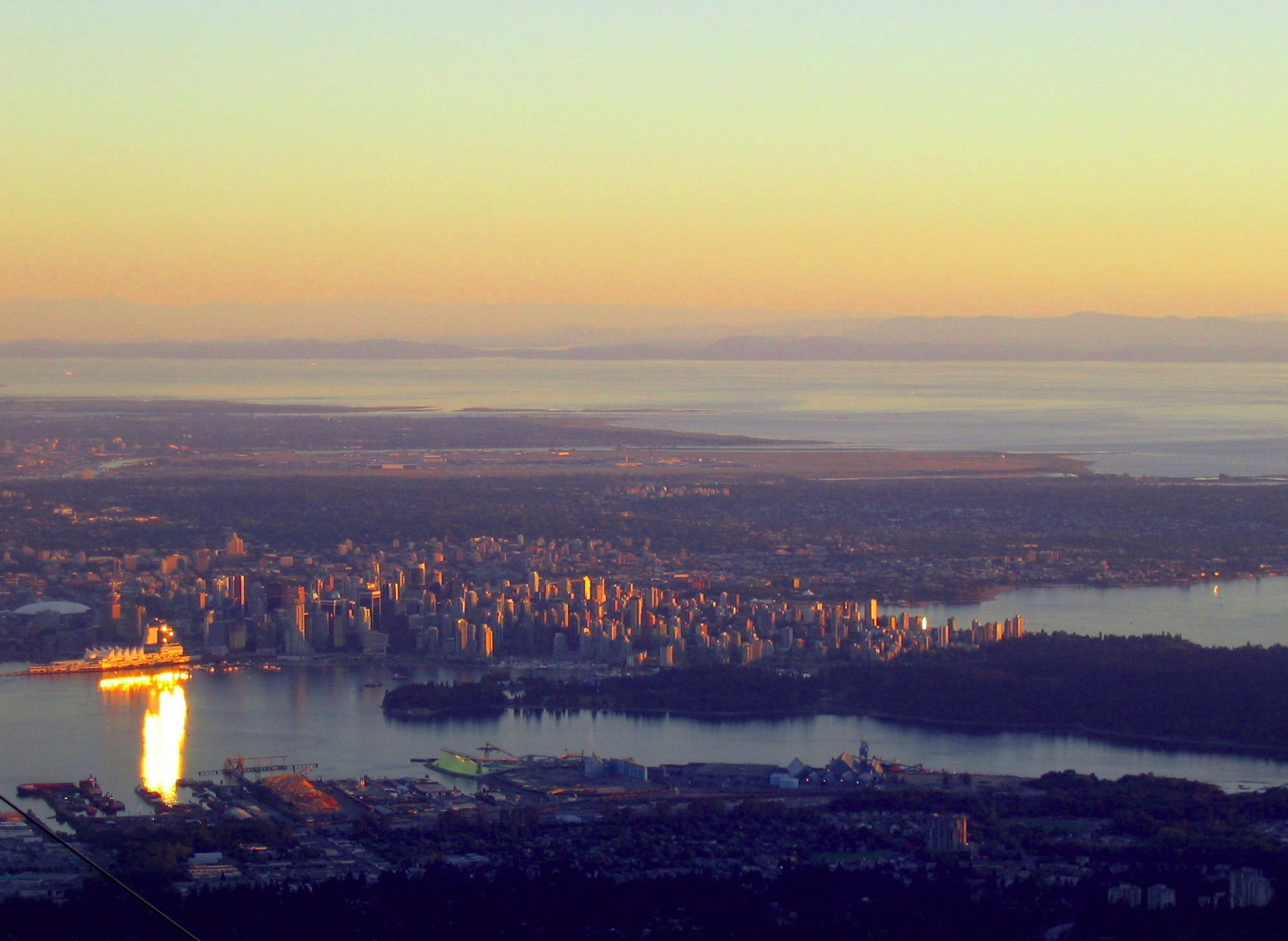 Vancouver_from_Grouse_mountain.jpg