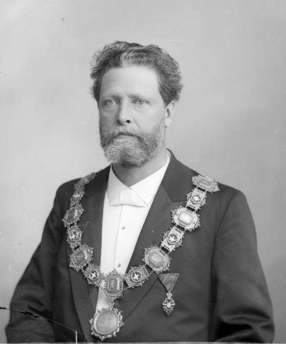 https://upload.wikimedia.org/wikipedia/commons/0/0a/Wenzl_Weis_-_Karl_Lueger%2C_1897.jpg