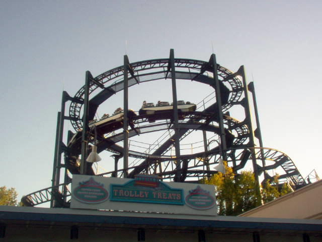 whizzer roller coaster wikipedia rh en wikipedia org six flags great america make a payment six flags great america bring a friend free days 2019