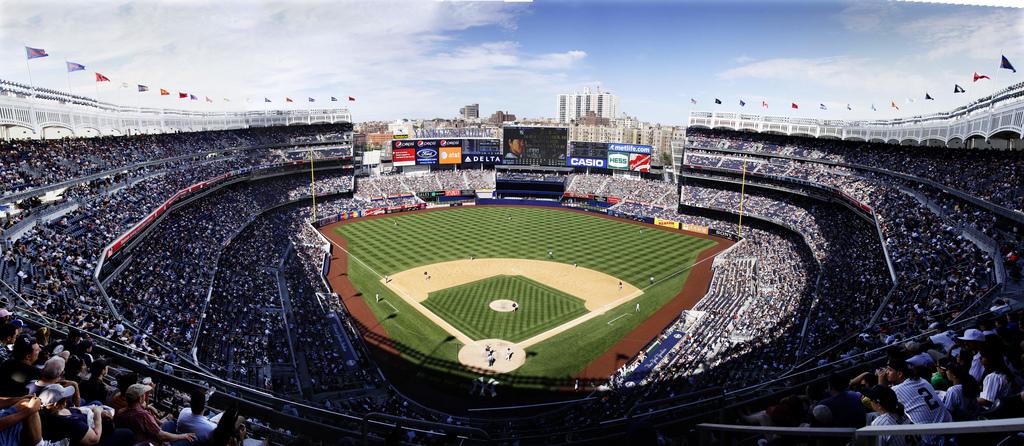 File Yankee Stadium Grandstand Level View Jpg Wikimedia