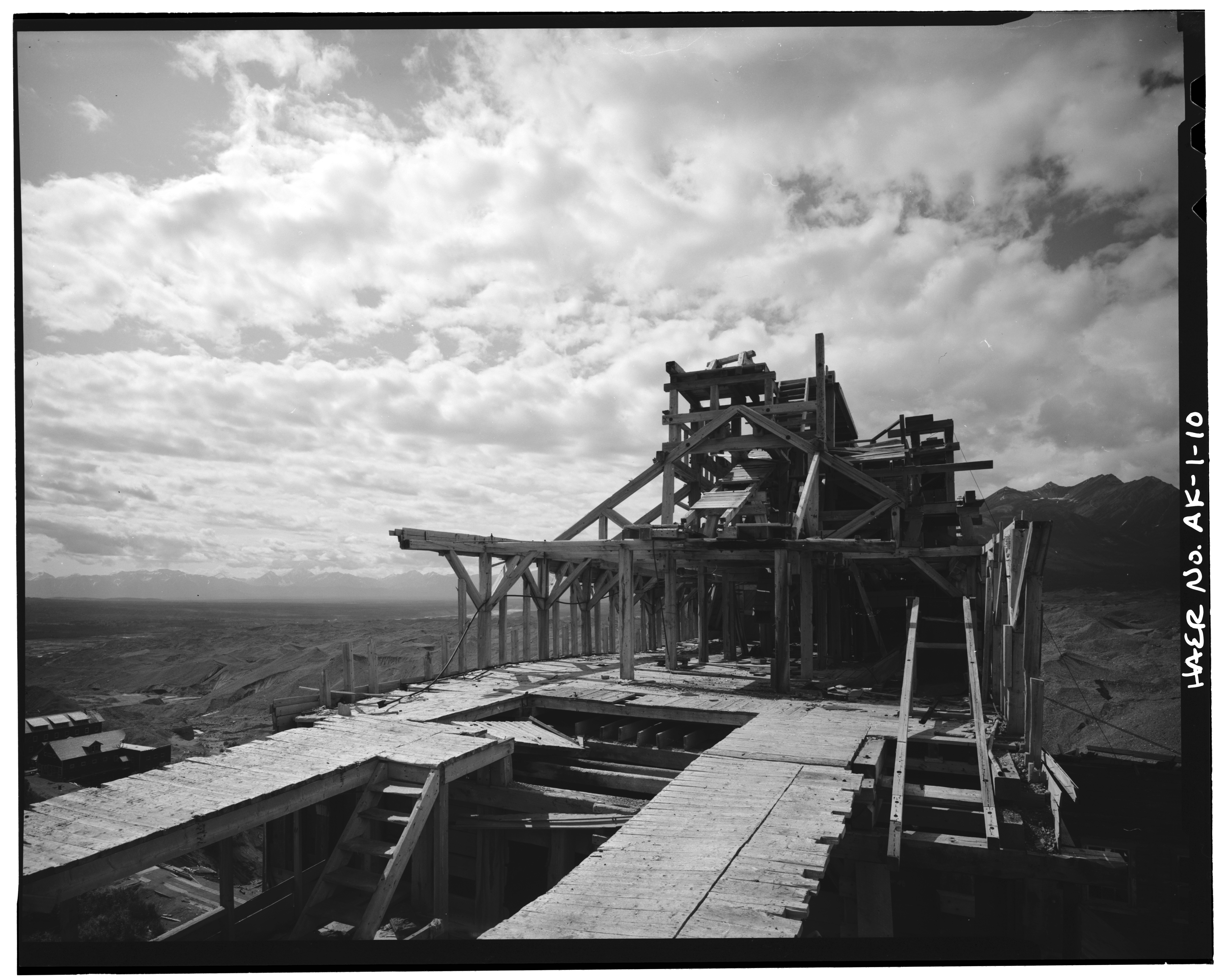 File:10. CONCENTRATION MILL, FRAMING, LOOKING SOUTHWEST - Kennecott ...
