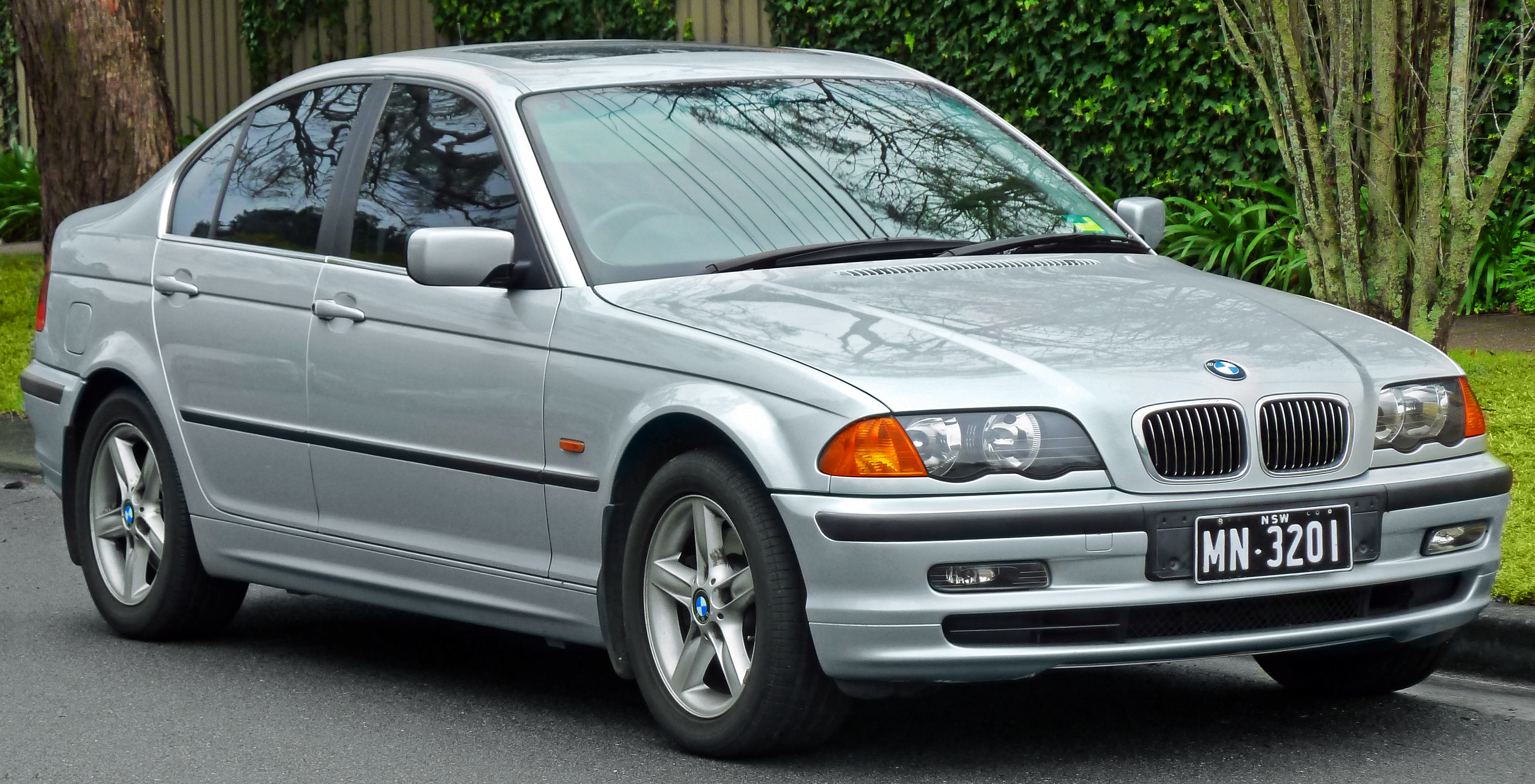 Description 1998 2001 bmw 328i e46 sedan 2011 07 17 01