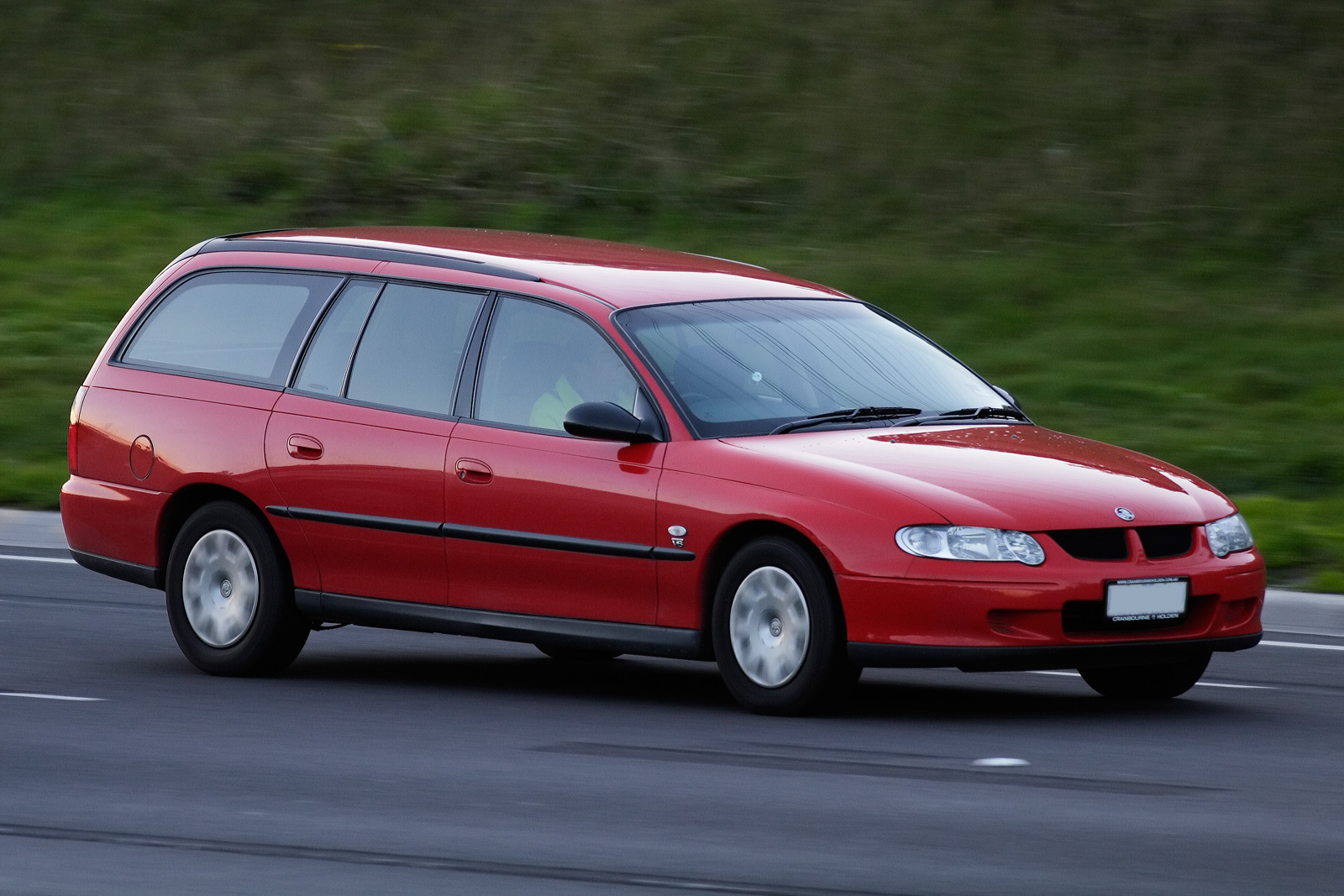 Very File:2000–2001 Holden VX Commodore Executive station wagon.jpg  ZL63