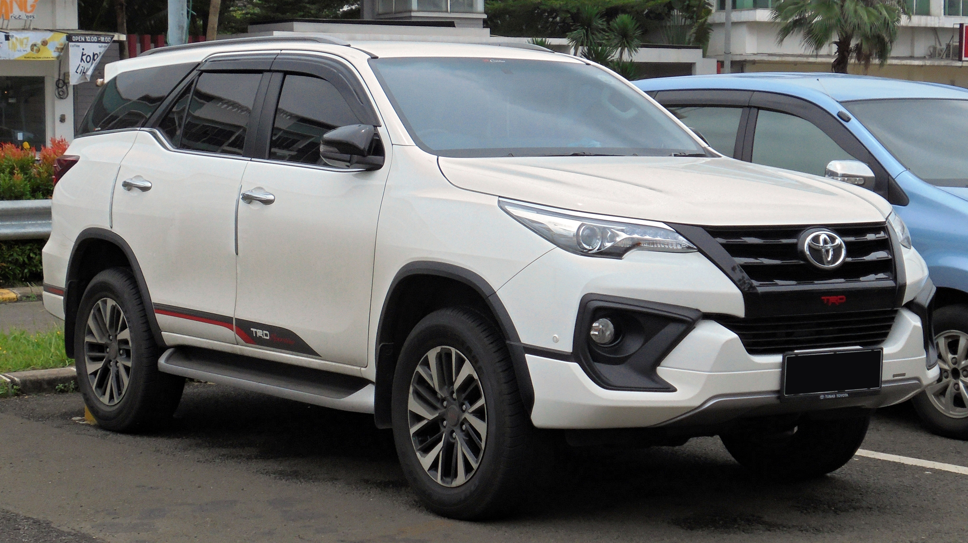 File 2018 Toyota Fortuner 2 4 Vrz Trd Sportivo Wagon Gun165r 01 19 2019 South Tangerang Jpg Wikimedia Commons