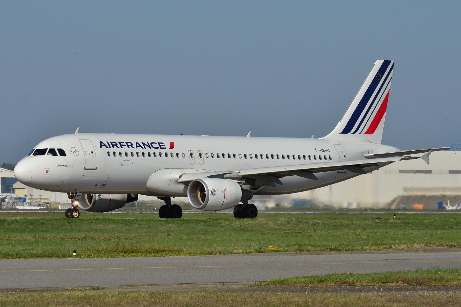 File:Airbus A320-200 Air France (AFR) F-HBNC - MSN 4601 ...