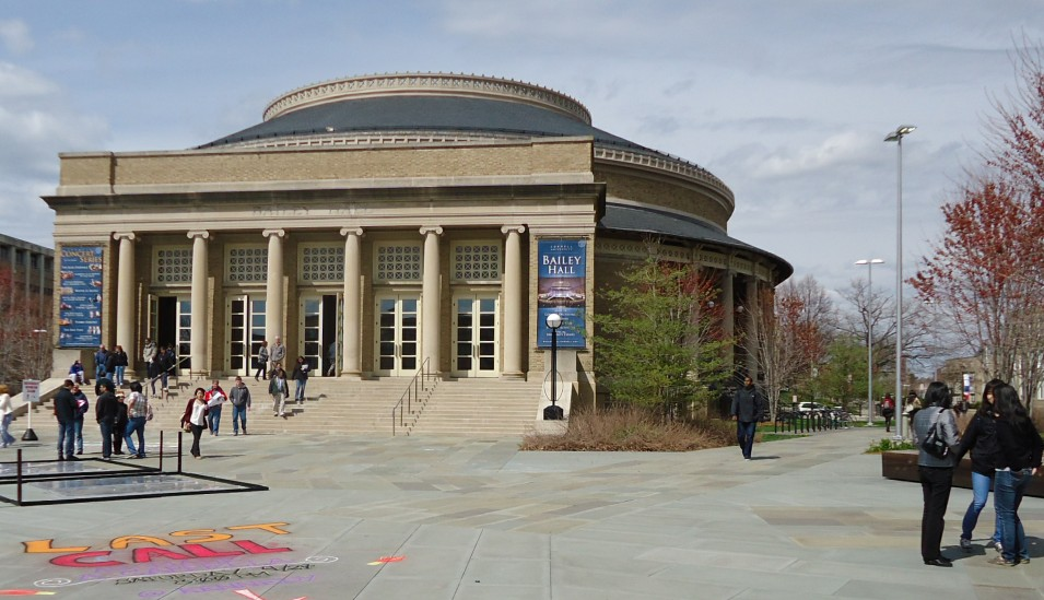 File:Bailey Hall auditorium at Cornell University.jpg - Wikimedia ...