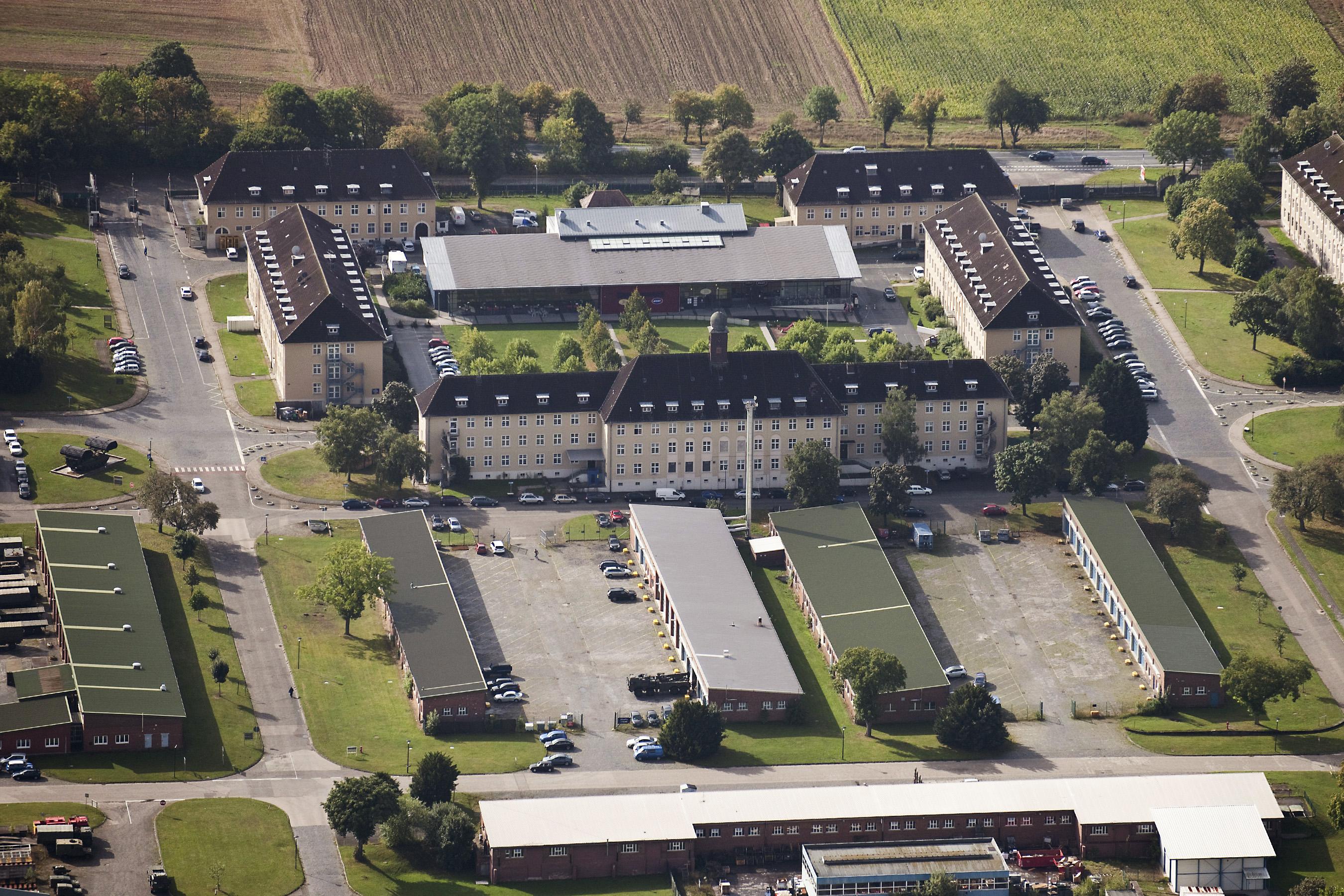 barker barracks paderborn