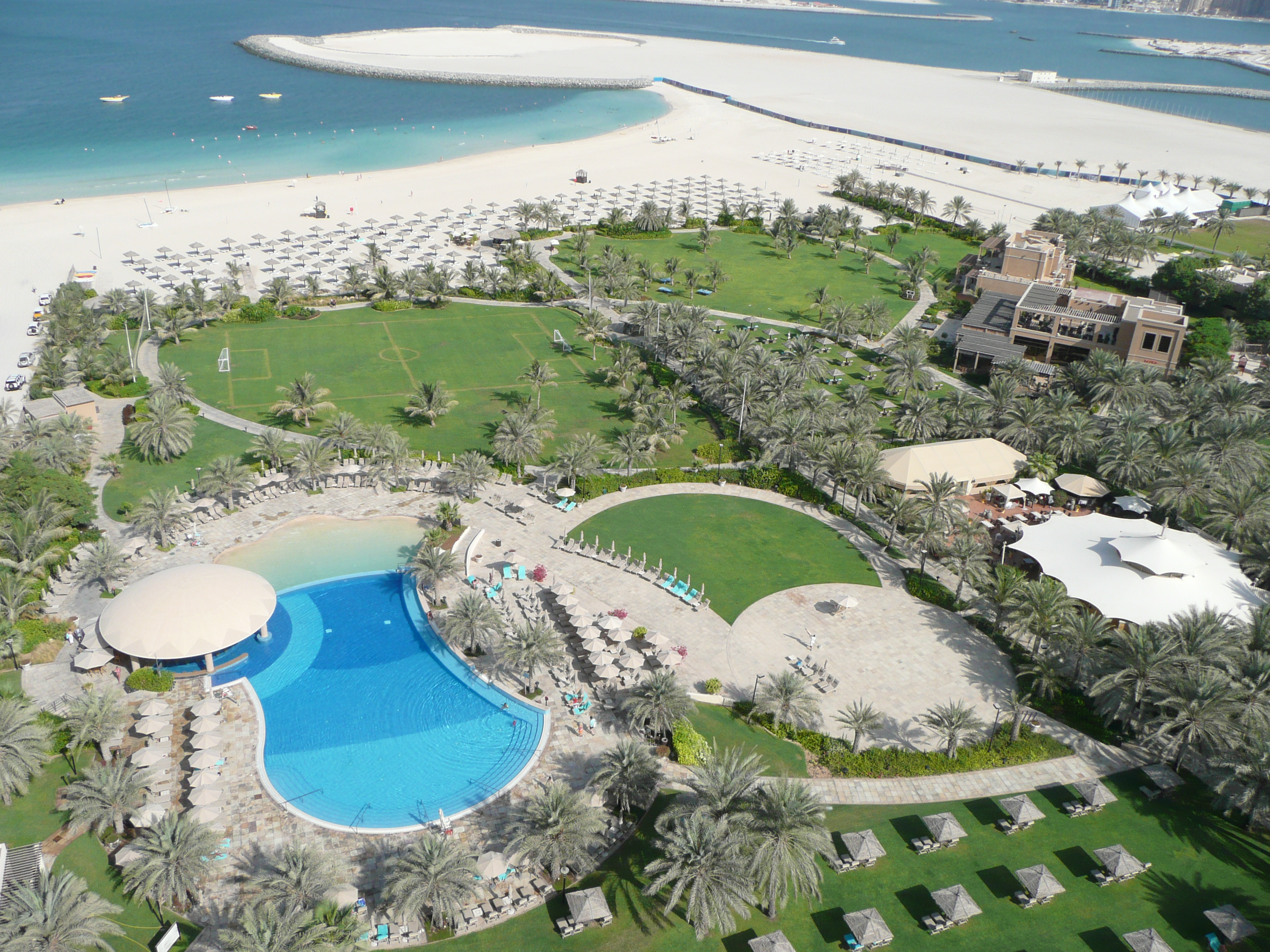 Filebeach From Le Royal Meri N Beach Resort And Spa In Dubai Jpg