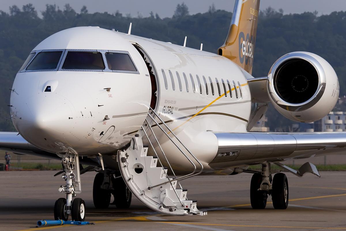Jet Privato Niki Lauda : File bombardier bd a global g wikimedia