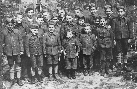 Archivo:Buchenwald Children 19753.jpg