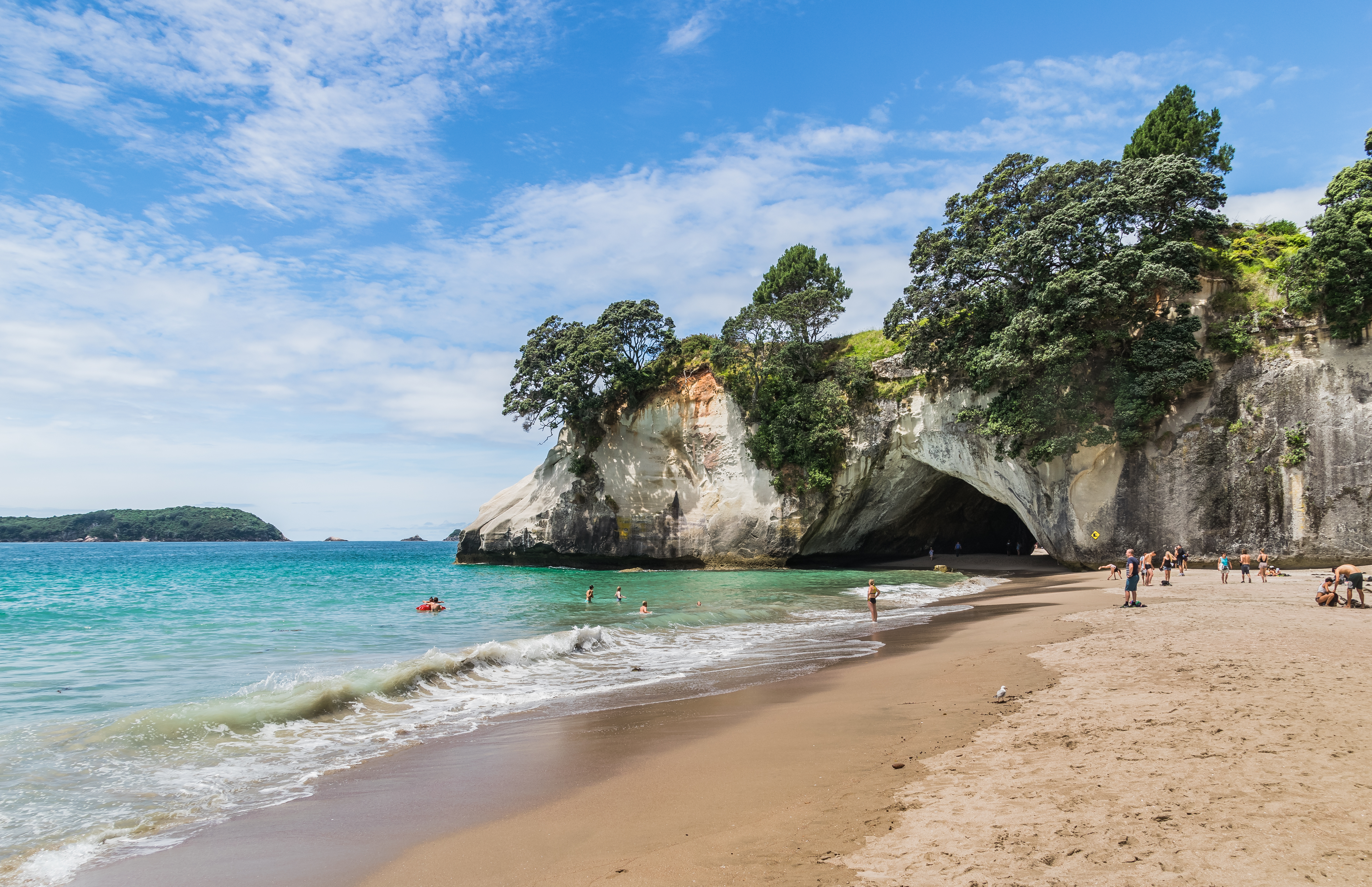 File:Cathedral Cove 06.jpg - Wikimedia Commons