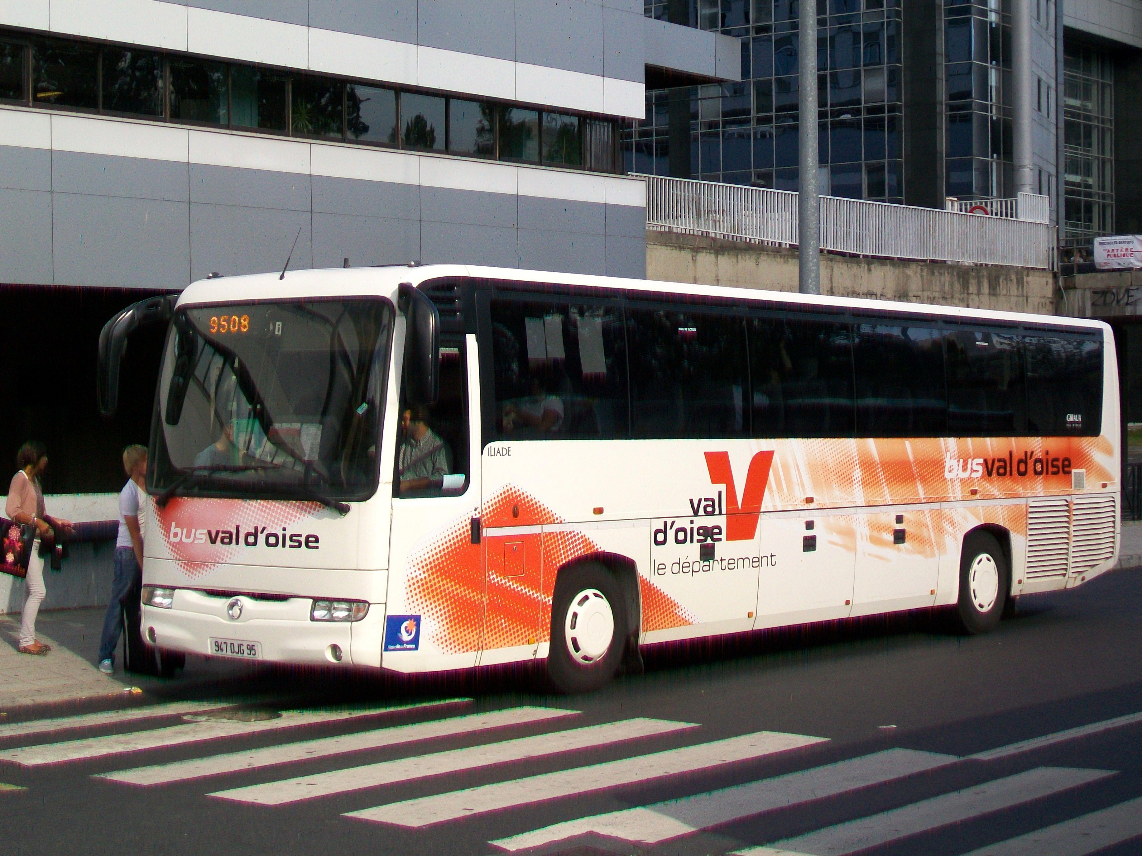 file cergy 95 car de la ligne 95 08 du r seau bus val d. Black Bedroom Furniture Sets. Home Design Ideas