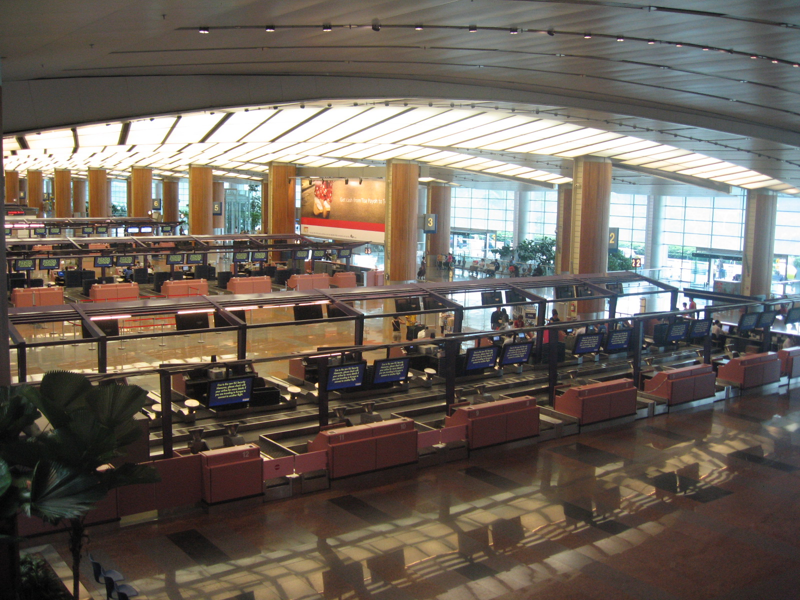Terminal 2 Check in Area