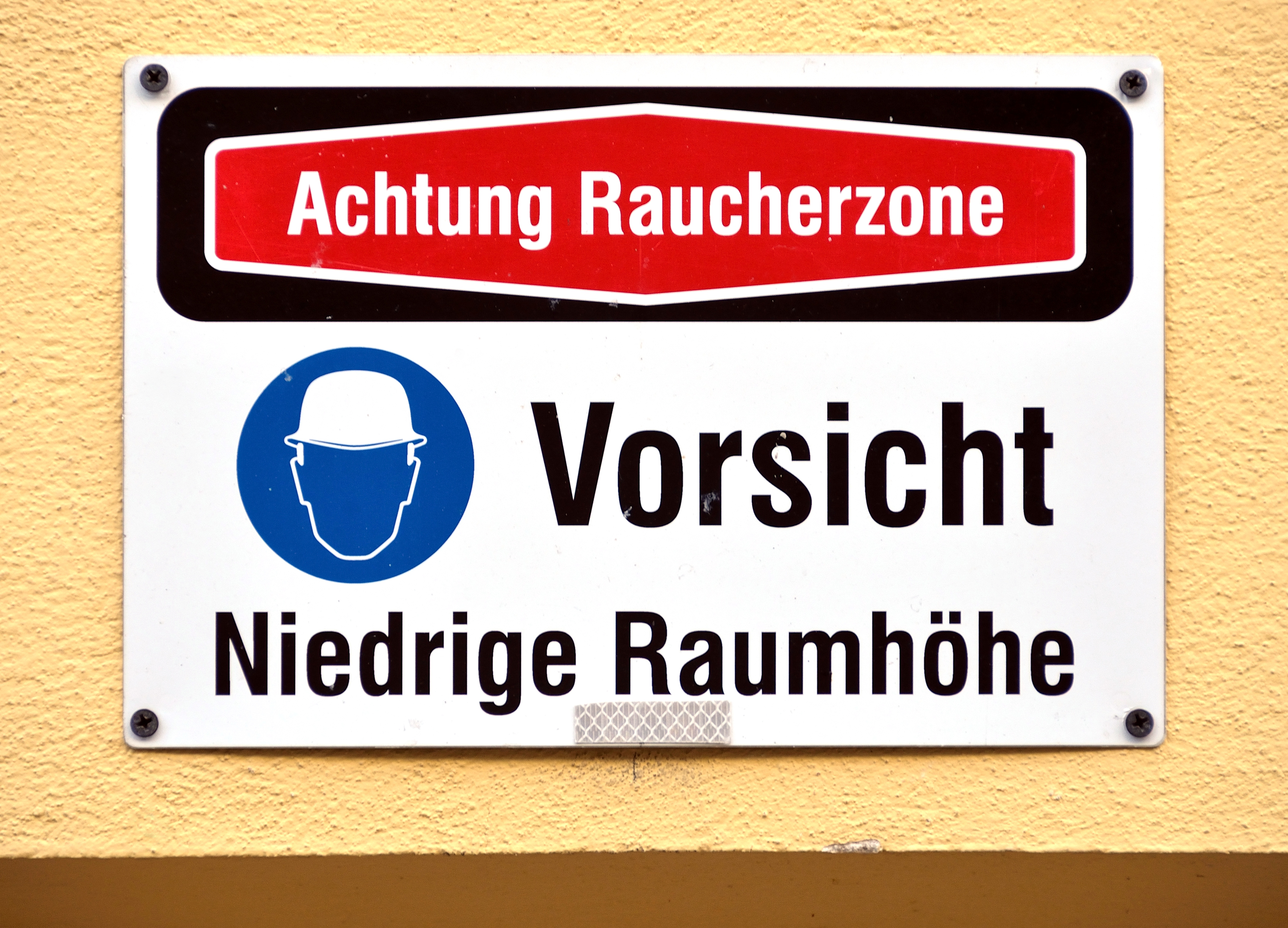 Tremendous Raucherzone Best Choice Of Bined Dangers, Künstlergasse 7, Vienna.jpg