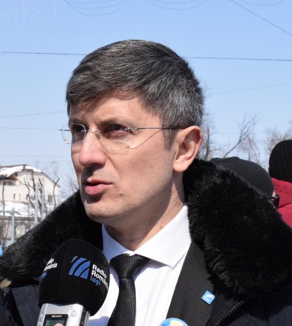Dan Barna (USR): Basescu a trecut in mod oficial in tabara ...  |Dan Barna