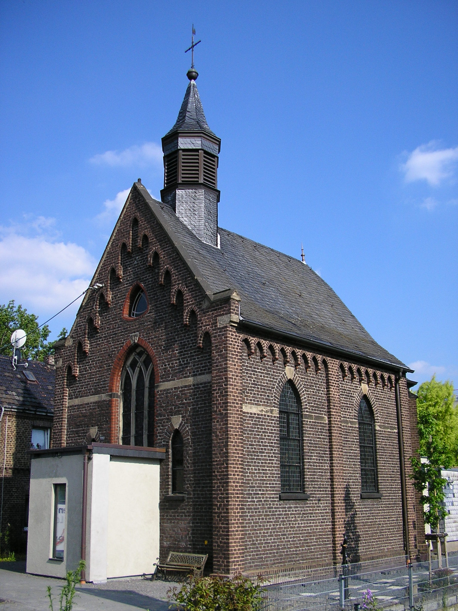 File Dreifaltigkeitskapelle Koln Marsdorf Jpg Wikimedia Commons