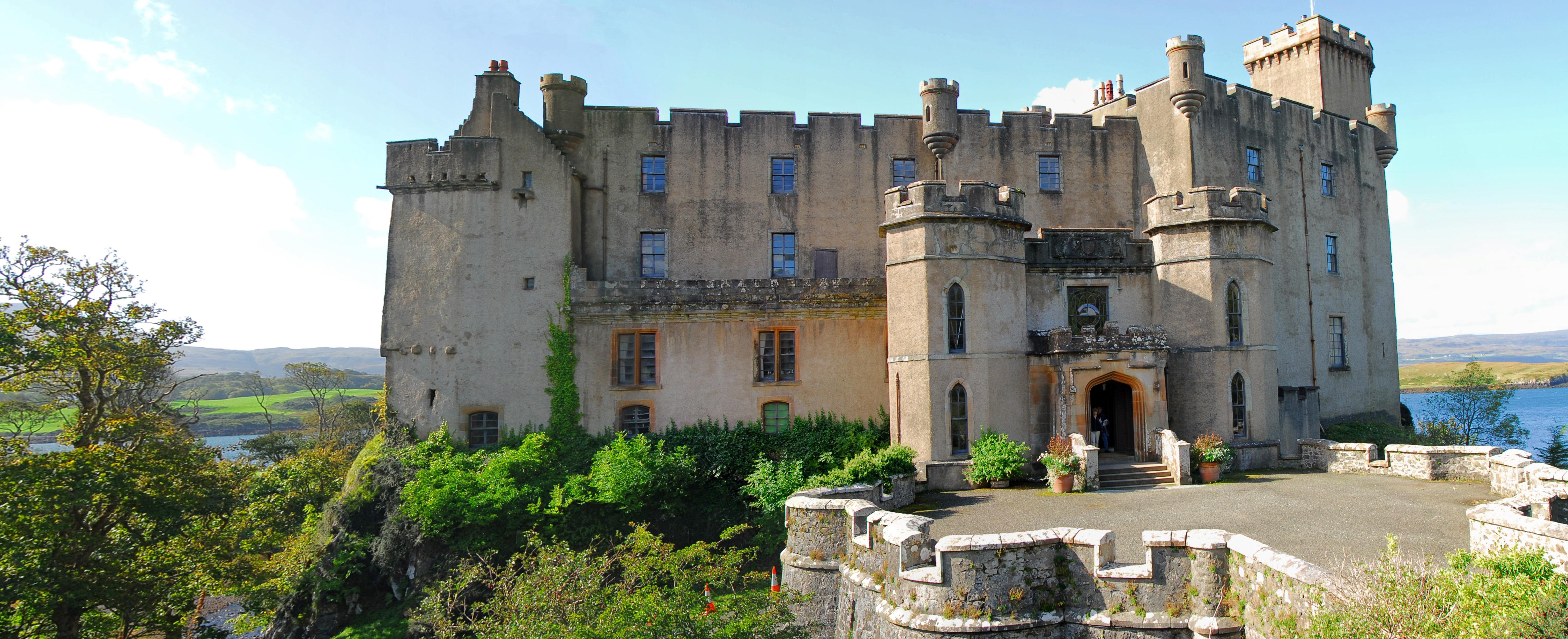 Panoramic shot of Dunvegan Castle